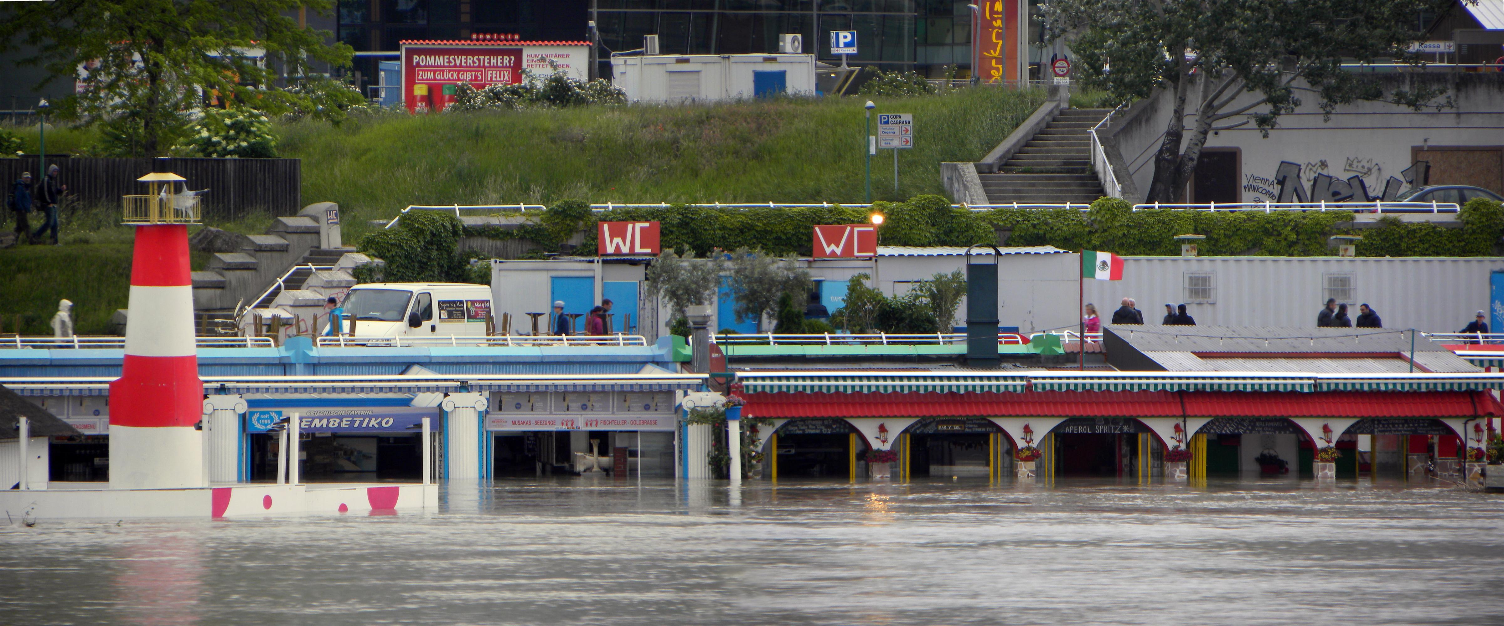 Filewien Hochwasser Juni  Copa Cagrana Jpg