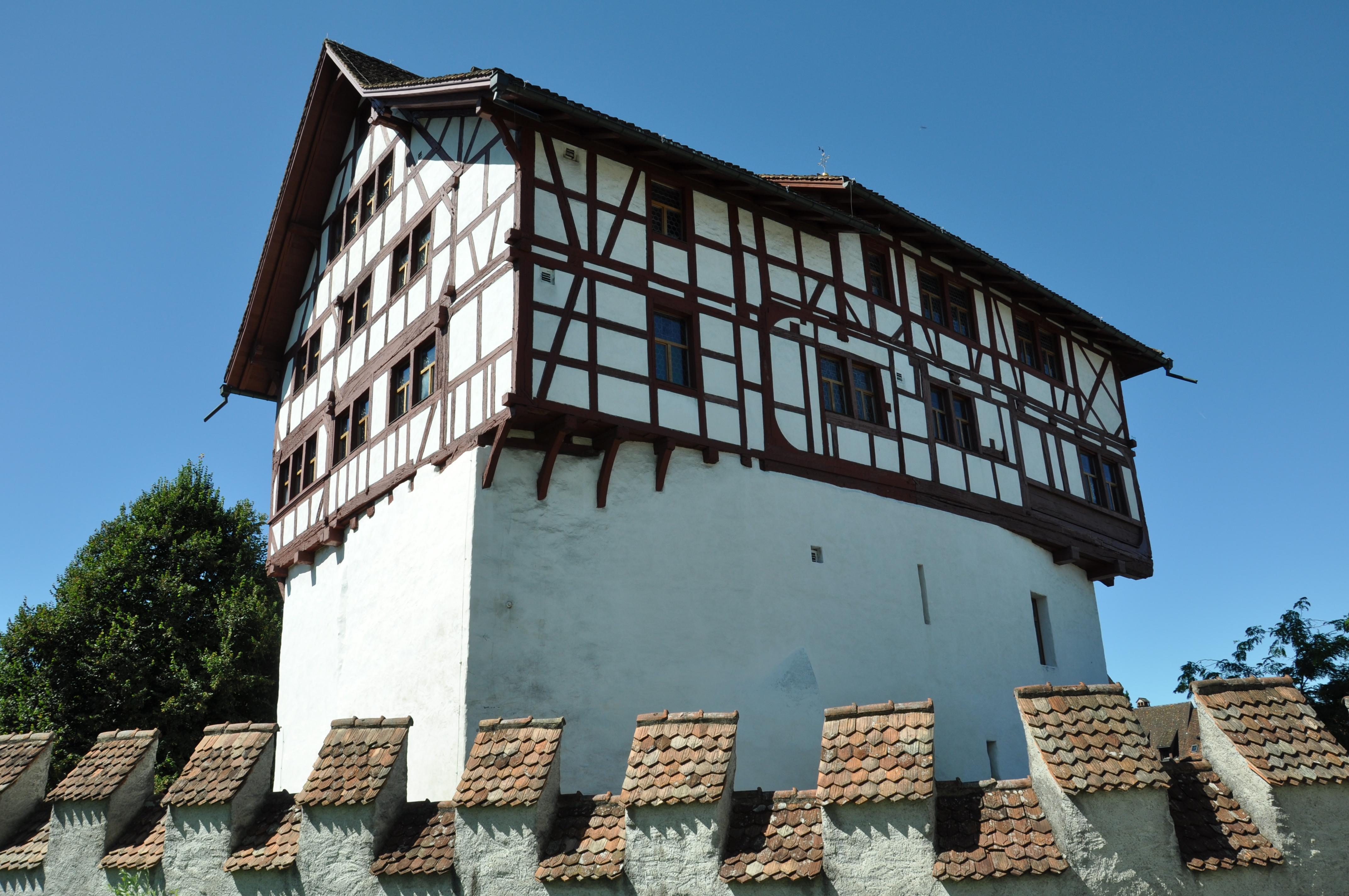 Fachwerkaufbau von 1550: Burg Zug in Zug, Schweiz
