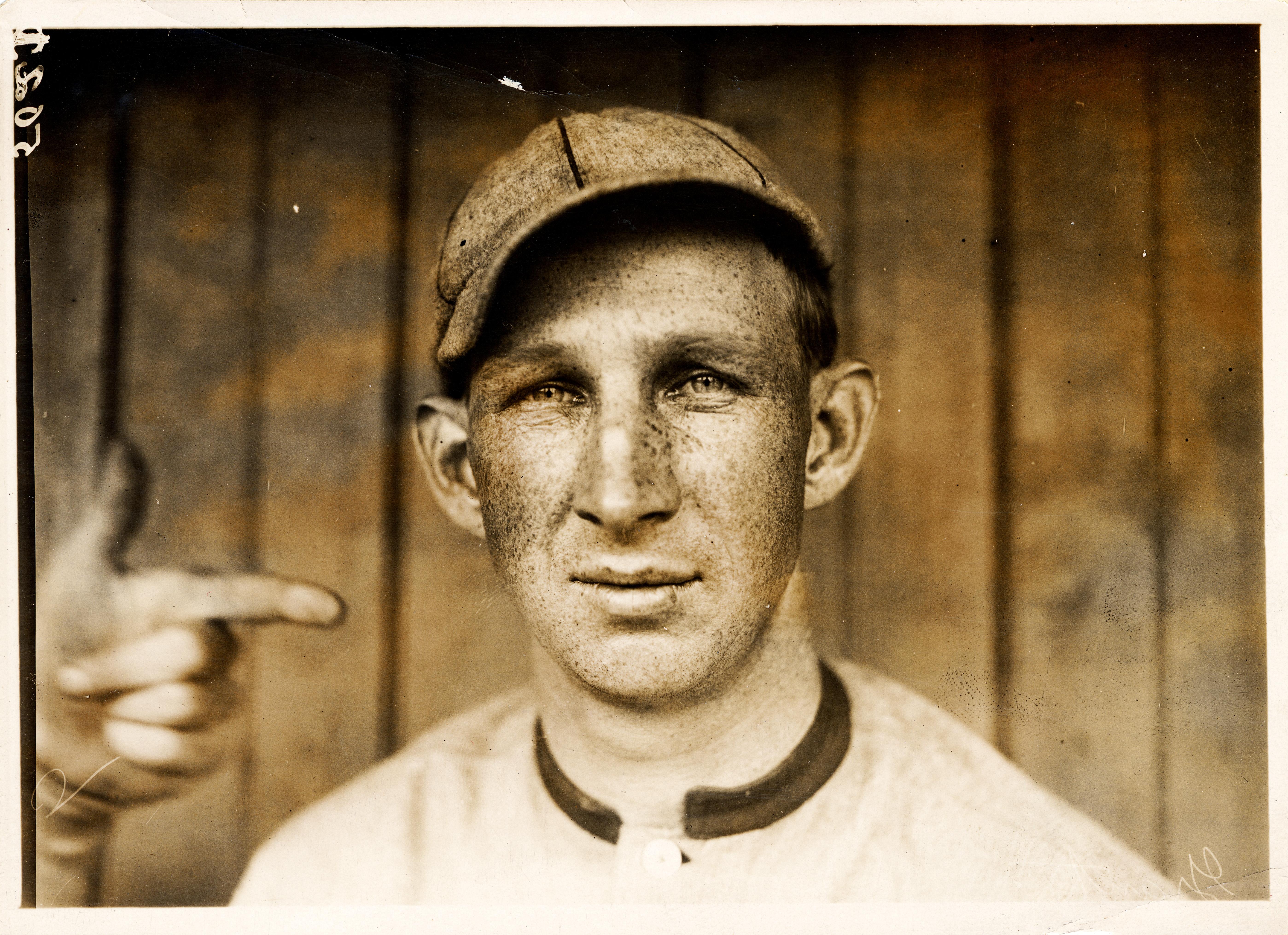 %22Harvard%22_Eddie_Grant,_Cincinnati_Reds_third_baseman,_by_Paul_Thompson,_1911.jpg