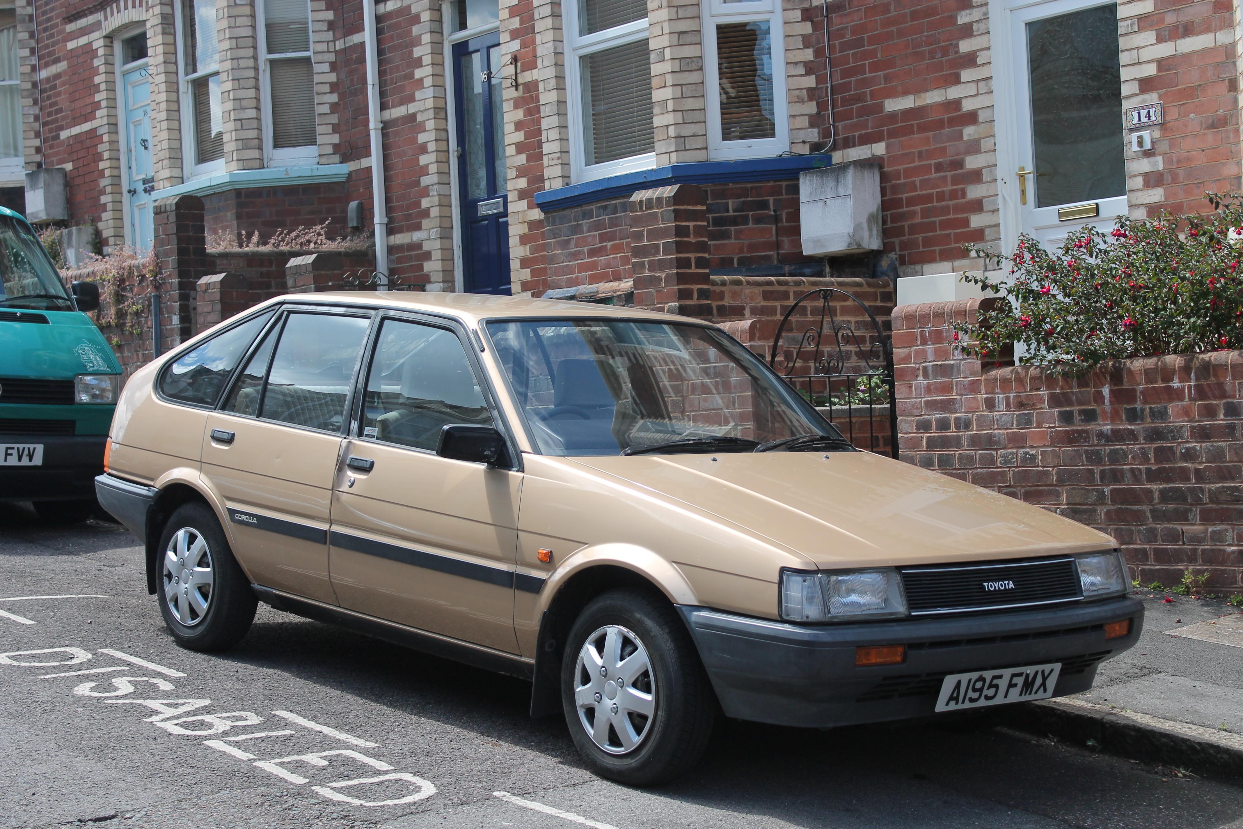 2 Person Car >> File:1984 Toyota Corolla 1.3 GL liftback (14539915158).jpg ...
