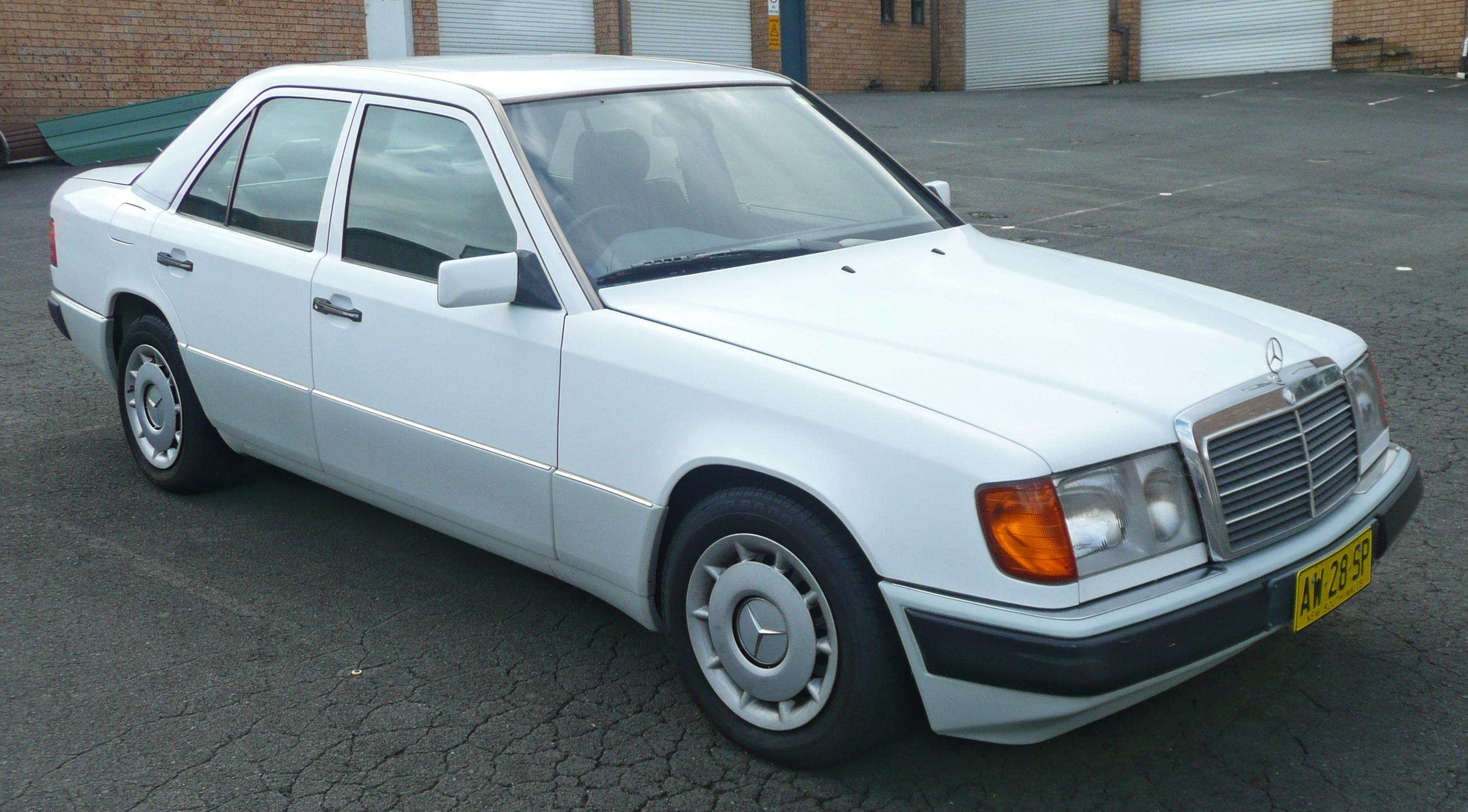 File 1990 1993 mercedes benz 230 e w124 sedan for Mercedes benz 230