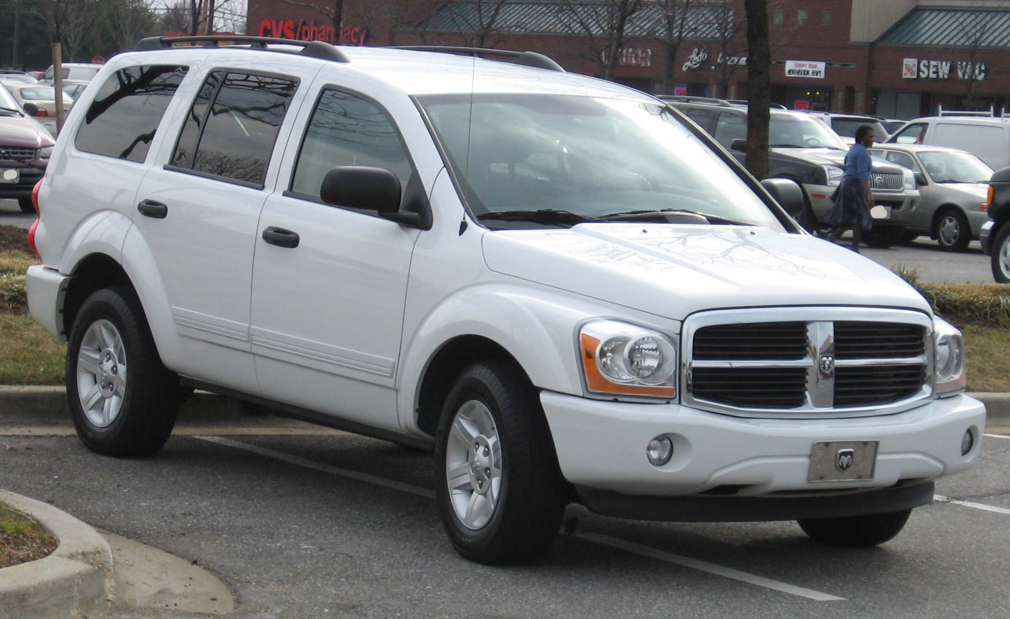 File:2004-2006 Dodge Durango.jpg