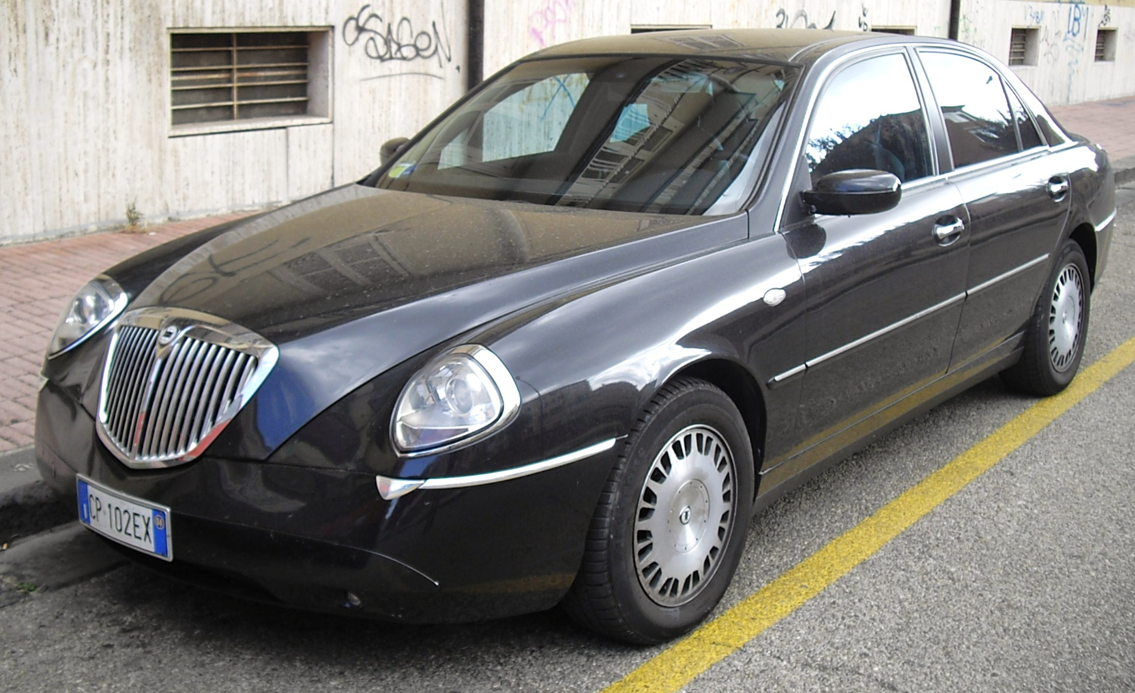 file 2004 lancia thesis 1 jpg. Black Bedroom Furniture Sets. Home Design Ideas