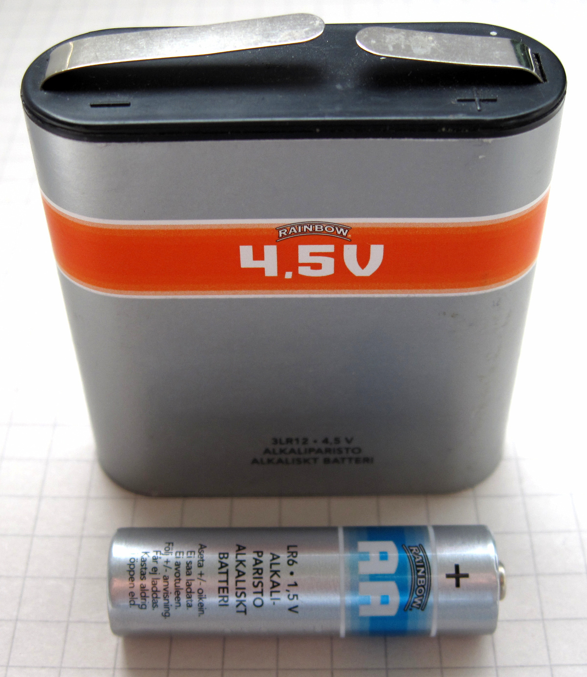 Fabriksnye File:4,5V-AA-battery.jpg - Wikimedia Commons UF-99