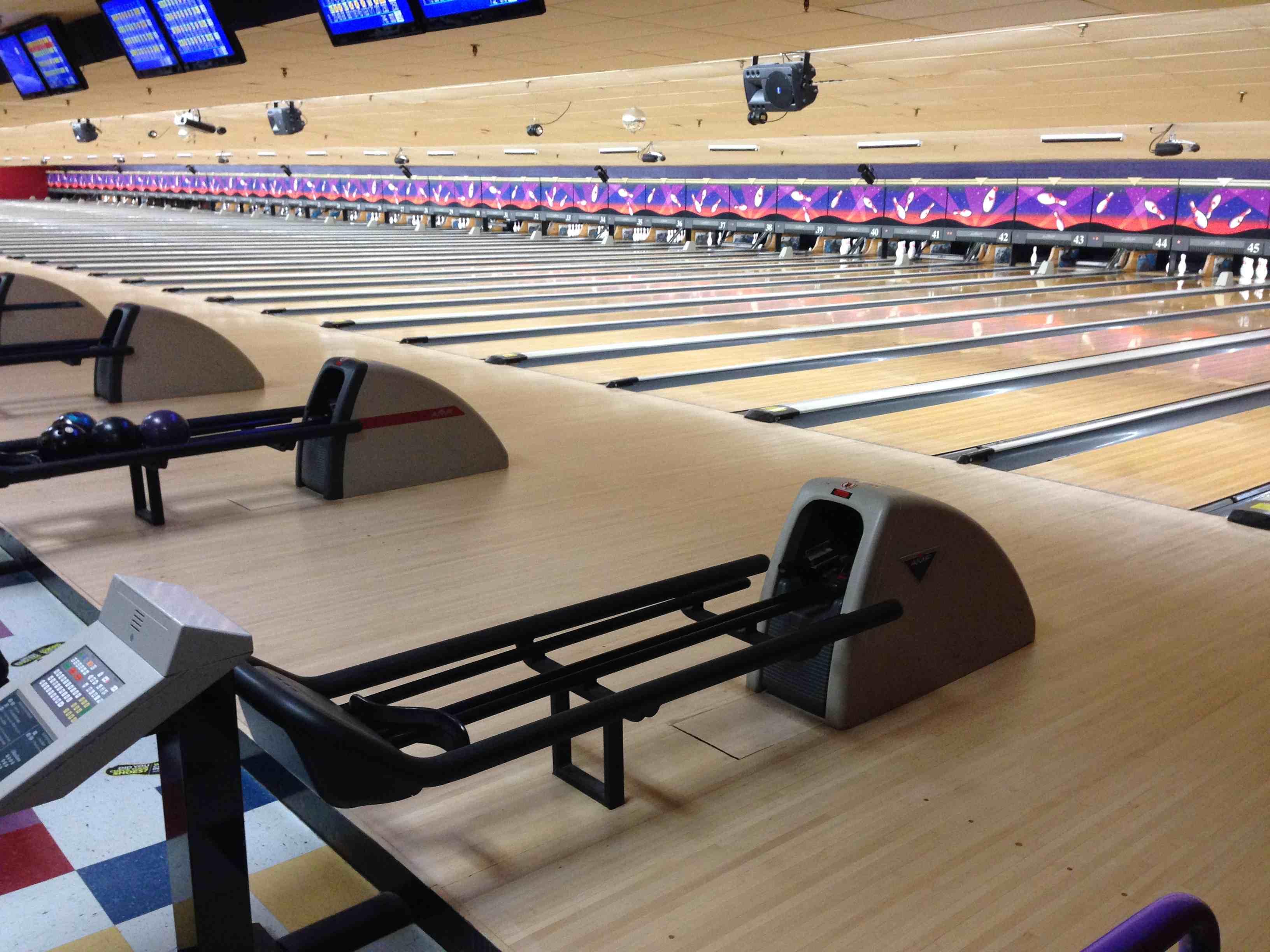 Bolorama Lanes  5pin Bowling