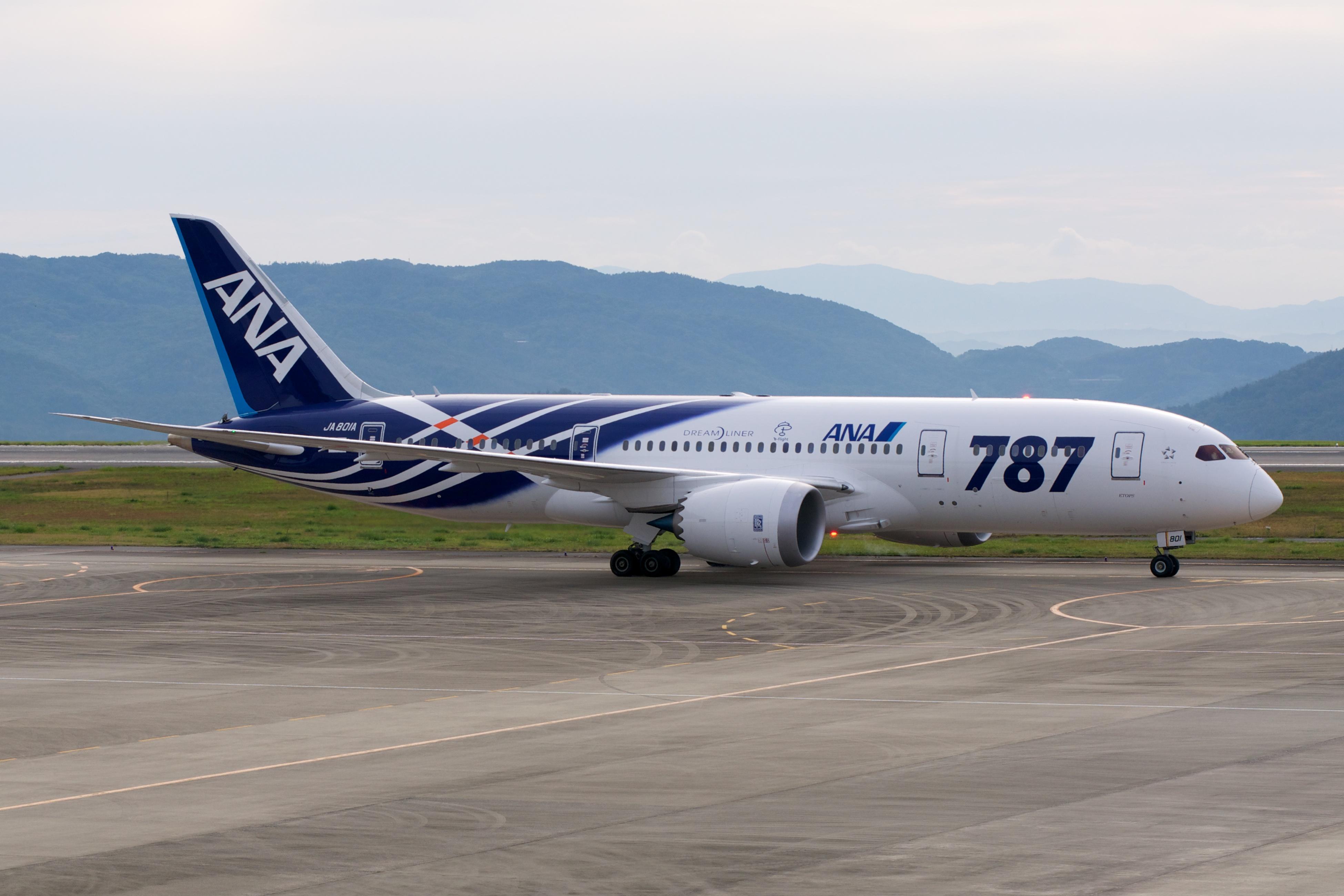 File:ANA Boeing 787-8 JA801A (6334140402).jpg - Wikimedia Commons