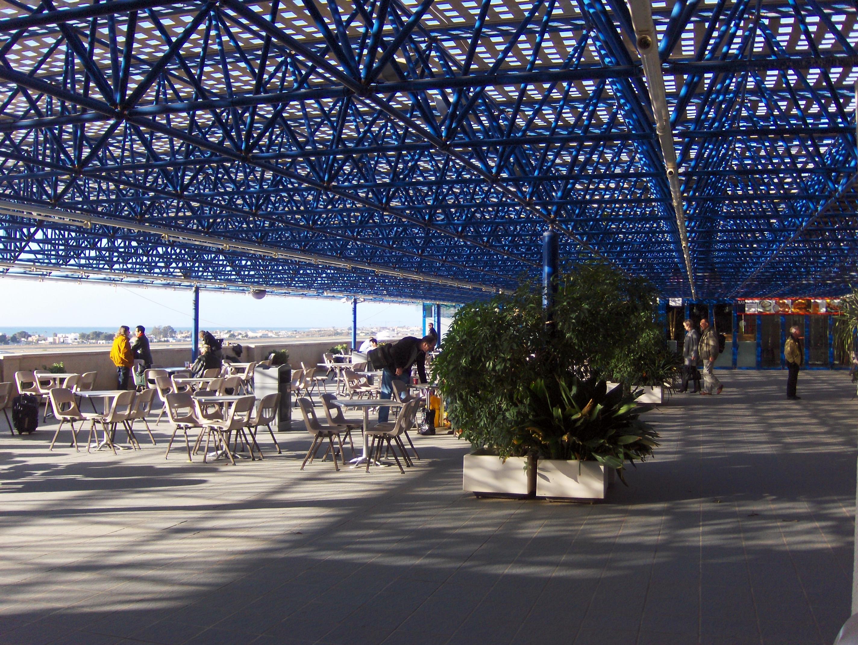 File Aeropuerto Almería Fumadores Jpg Wikimedia Commons