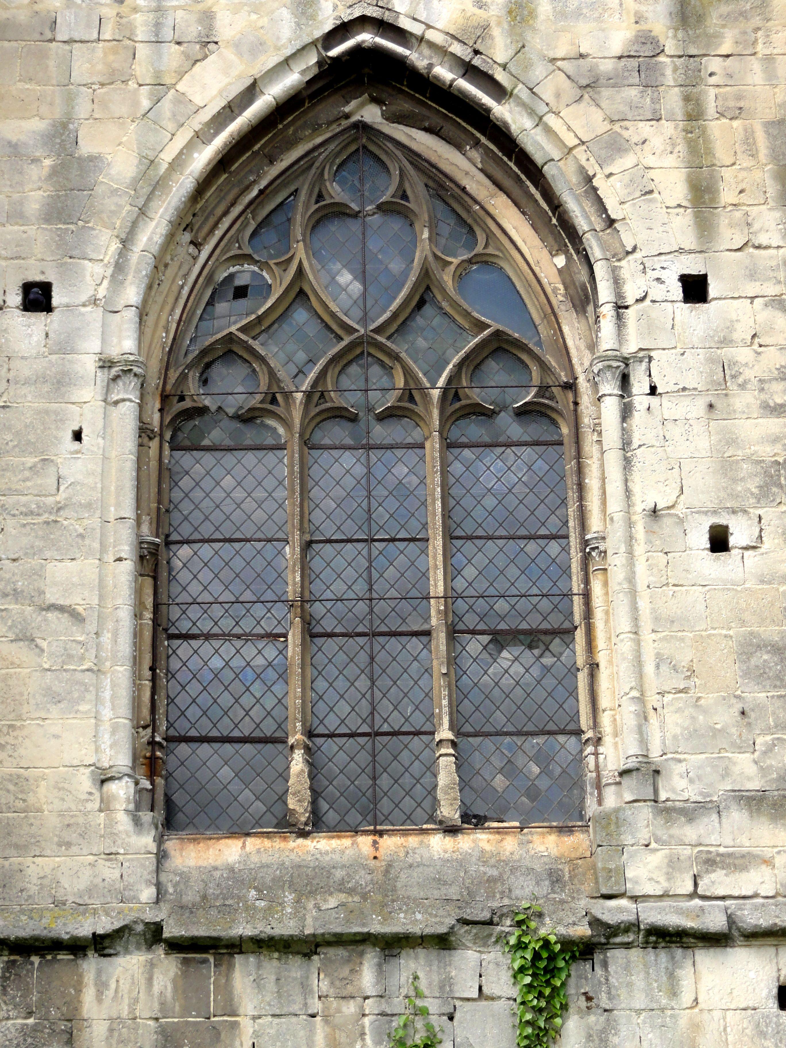 Fichier bailleval 60 glise saint martin base du for Fenetre gothique