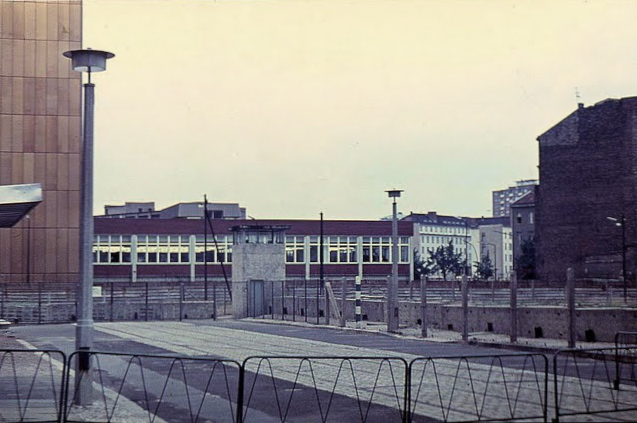 Berlin Wall from the East.jpg