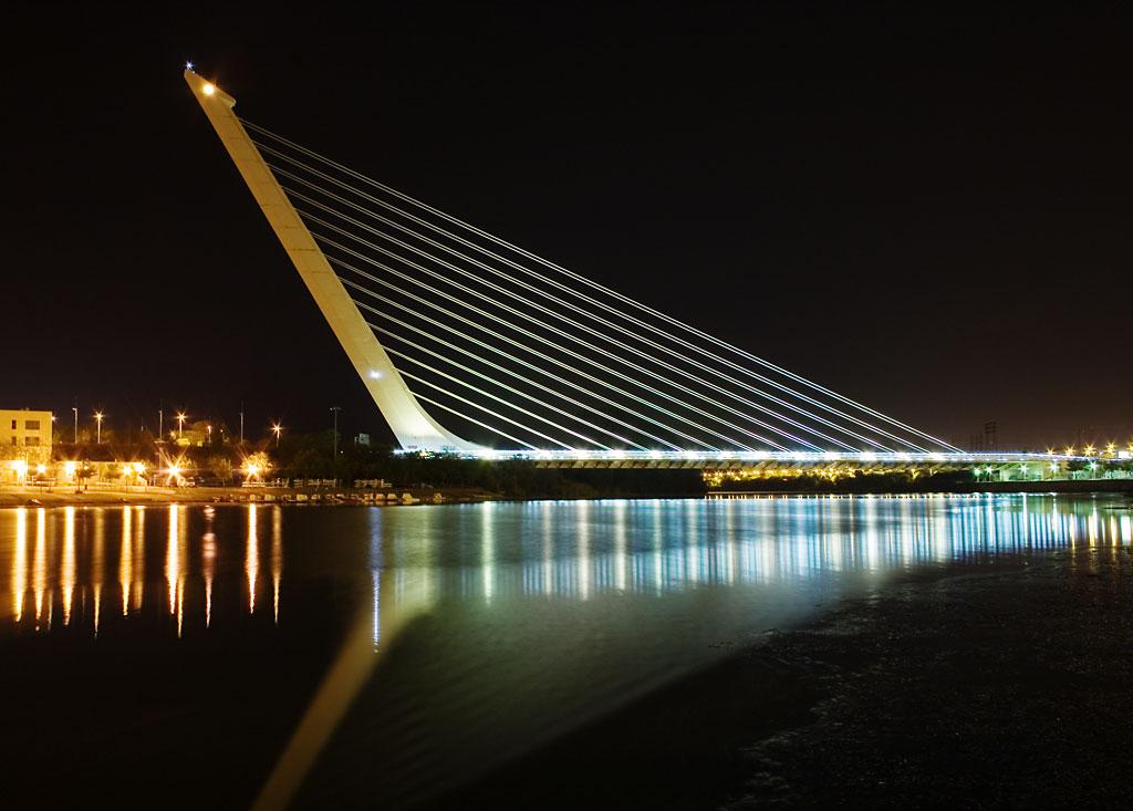 Calatrava_Puente_del_Alamillo_Seville.jpg