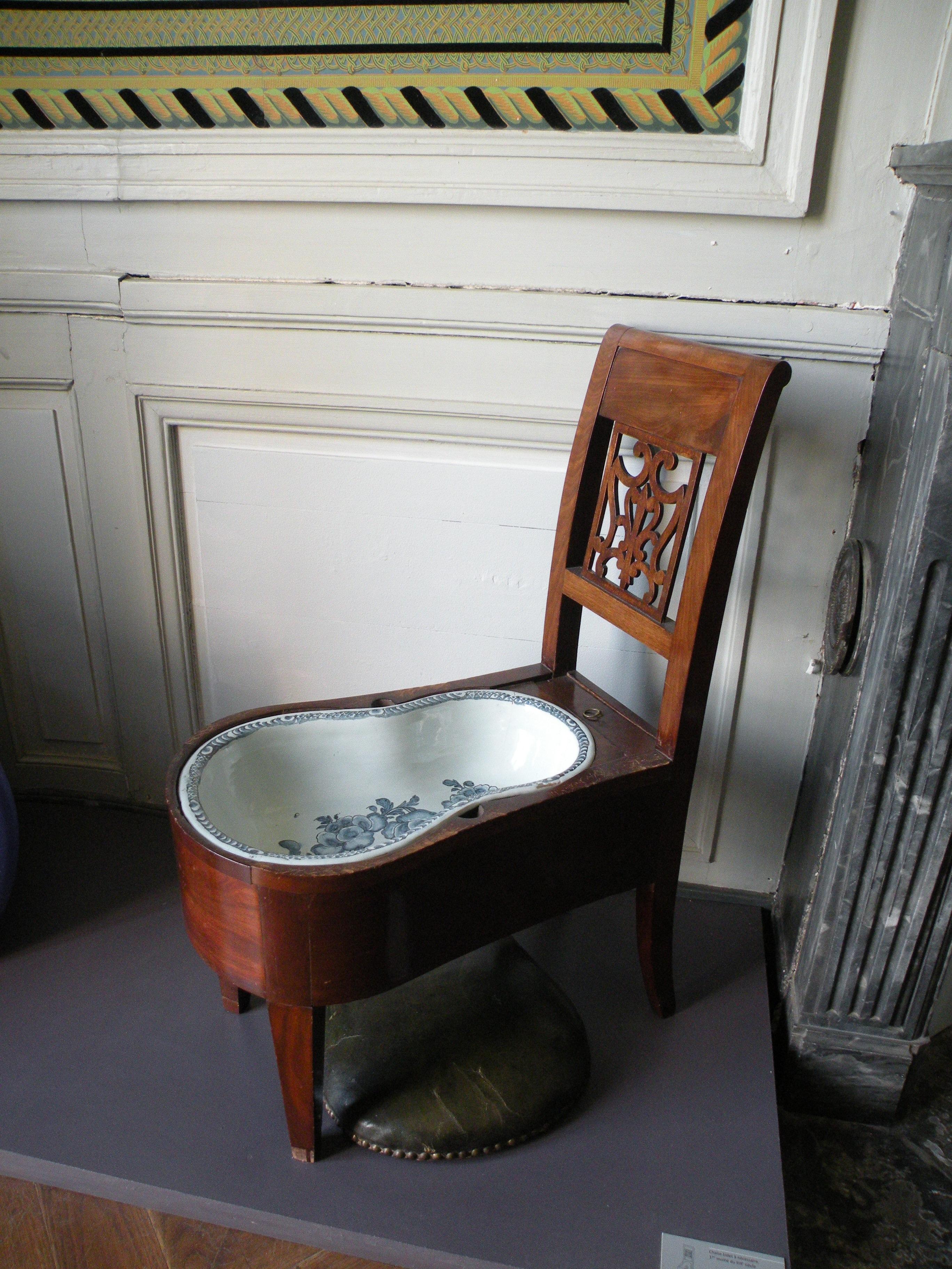 File ch teau de la roche guyon chaise bidet jpg for Chateau de la chaise