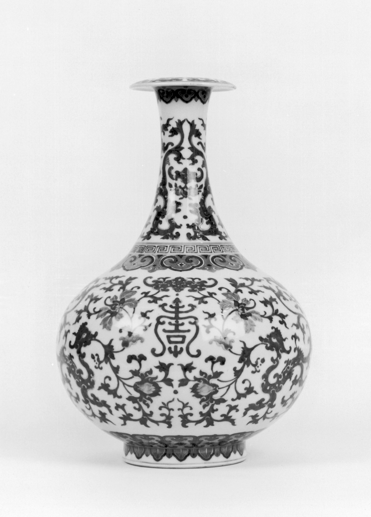 file chinese bottle vase with floral designs walters. Black Bedroom Furniture Sets. Home Design Ideas