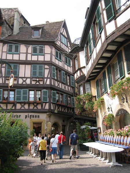 Architektura: v alsasku môžeme najsť typické domy, které su