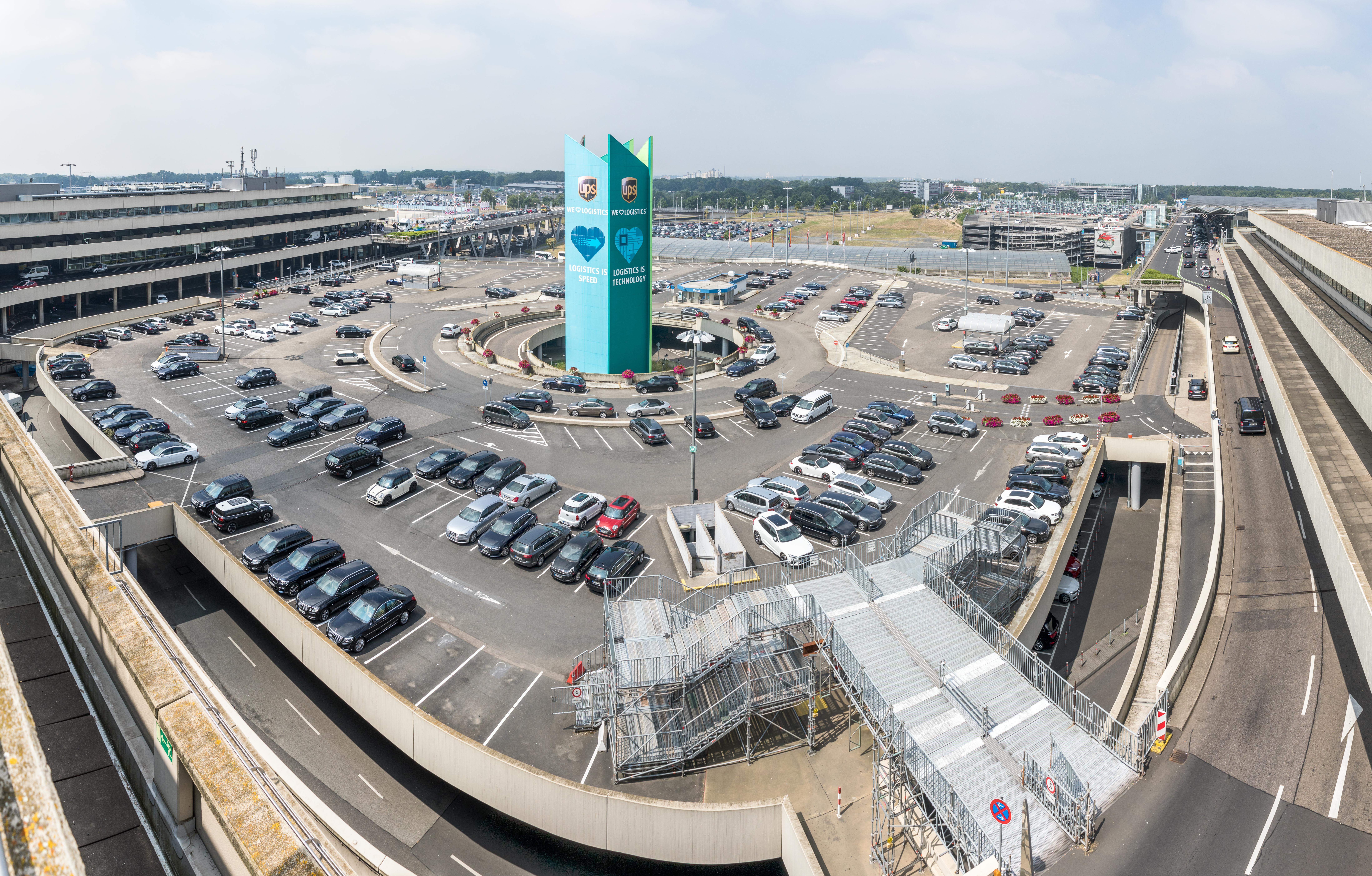 FileCologne Bonn Airport