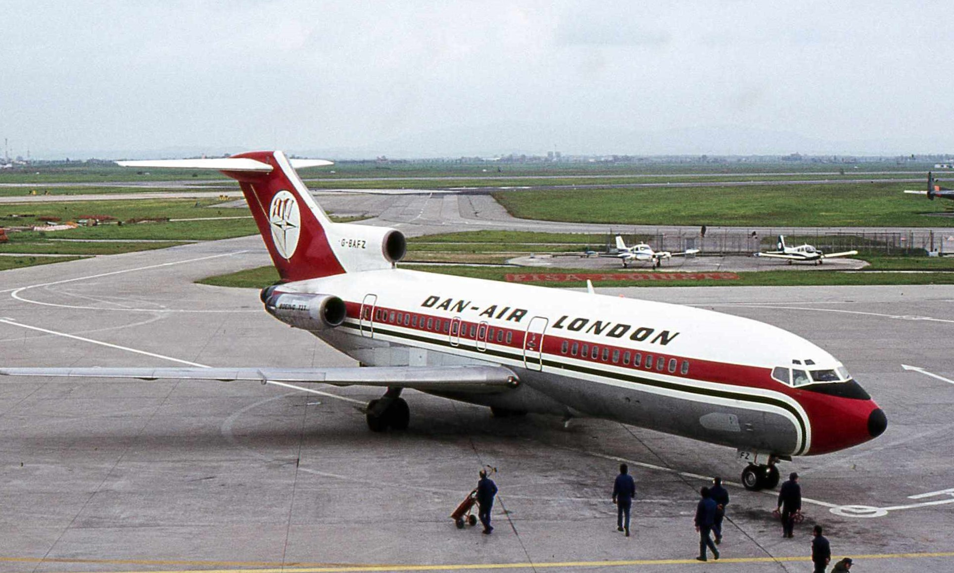 File:Dan-Air London B-727 G-BAFZ.jpg
