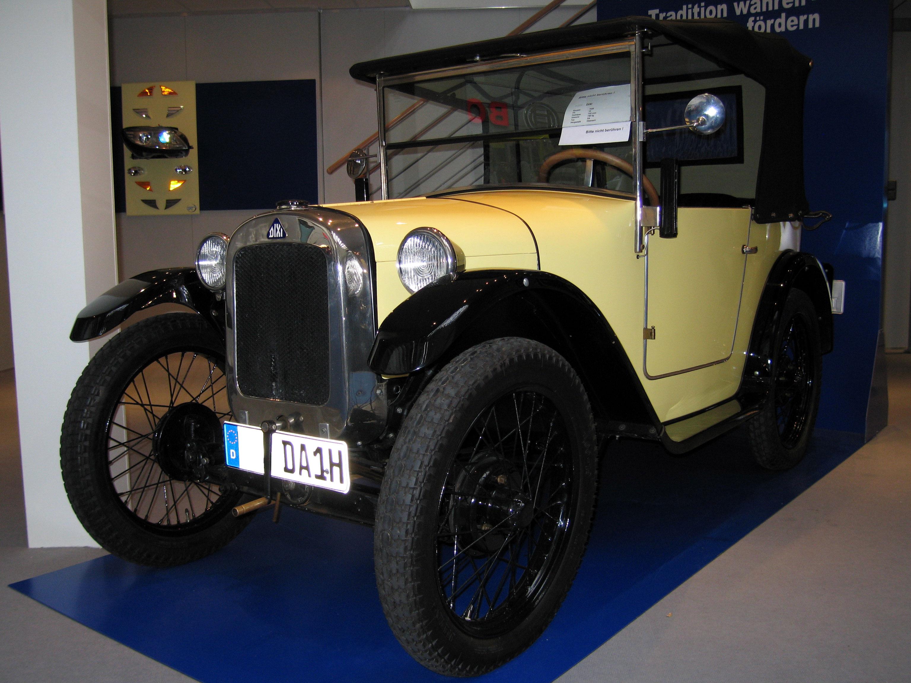 F10 M5 Car Blog: BMW V8 Engine History
