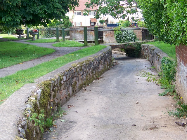 Dry stream, Otterton - geograph.org.uk - 1400335