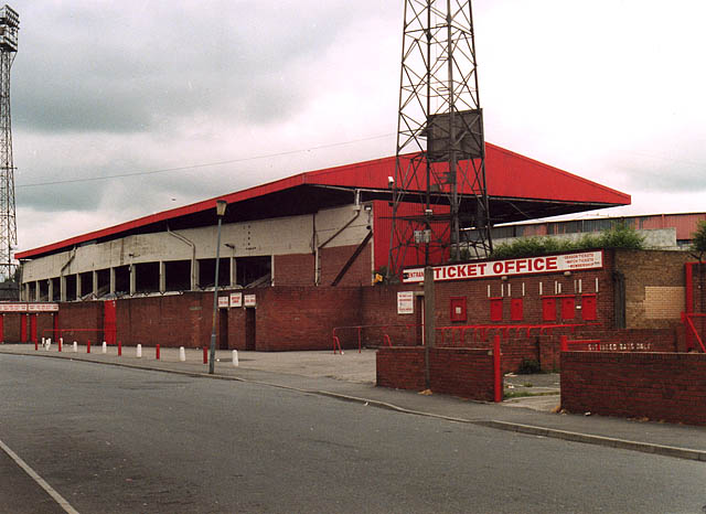 File east stand ayresome wikimedia commons for Stand 2 b