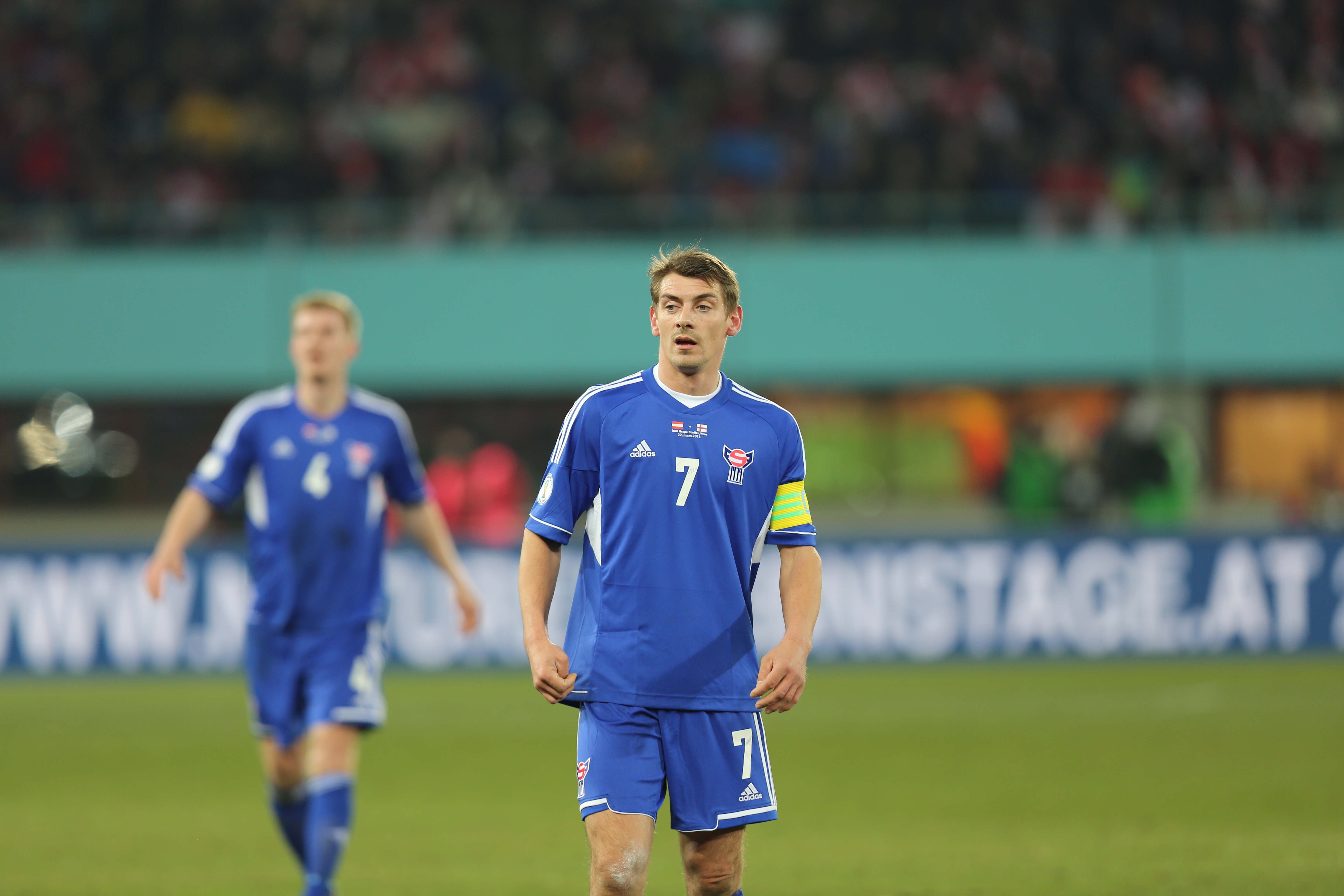 http://upload.wikimedia.org/wikipedia/commons/b/b2/FIFA_WC-qualification_2014_-_Austria_vs_Faroe_Islands_2013-03-22_-_Fr%C3%B3%C3%B0i_Benjaminsen_03.JPG