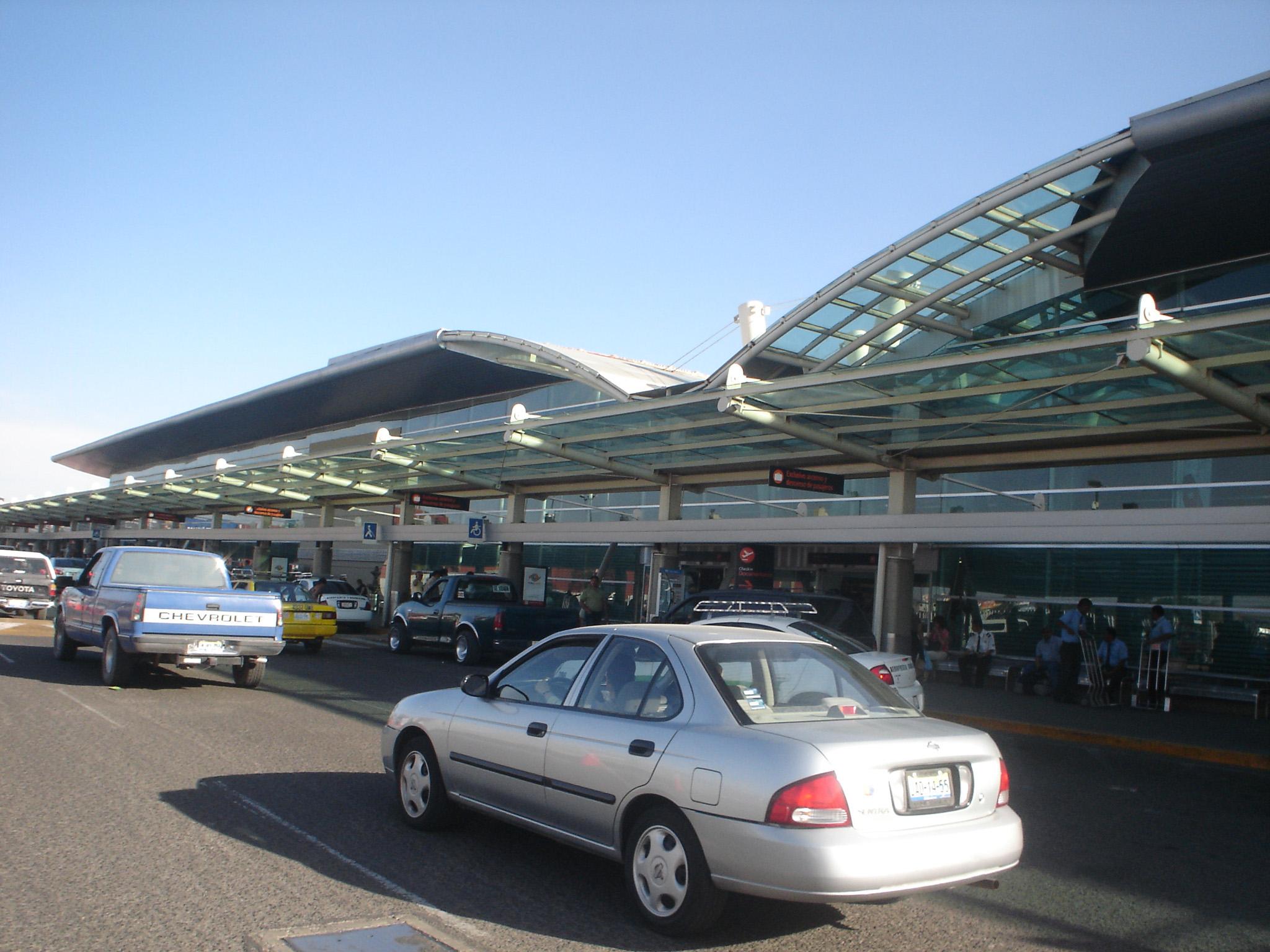 ドン・ミゲル・イダルゴ・イ・コスティージャ国際空港