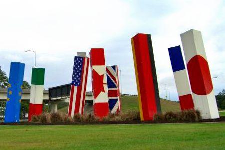 File:FlagPosts.JPG