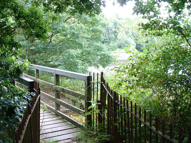 Footbridge at Worthington Lake Reservoir - geograph.org.uk - 35893