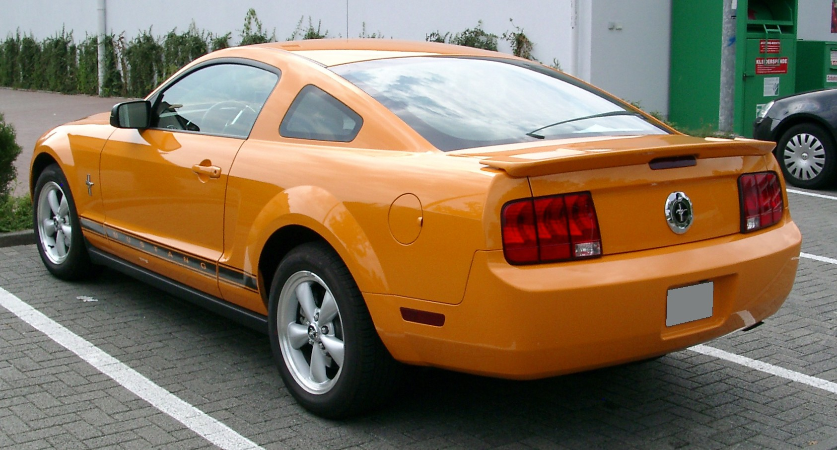 file ford mustang rear wikipedia. Black Bedroom Furniture Sets. Home Design Ideas