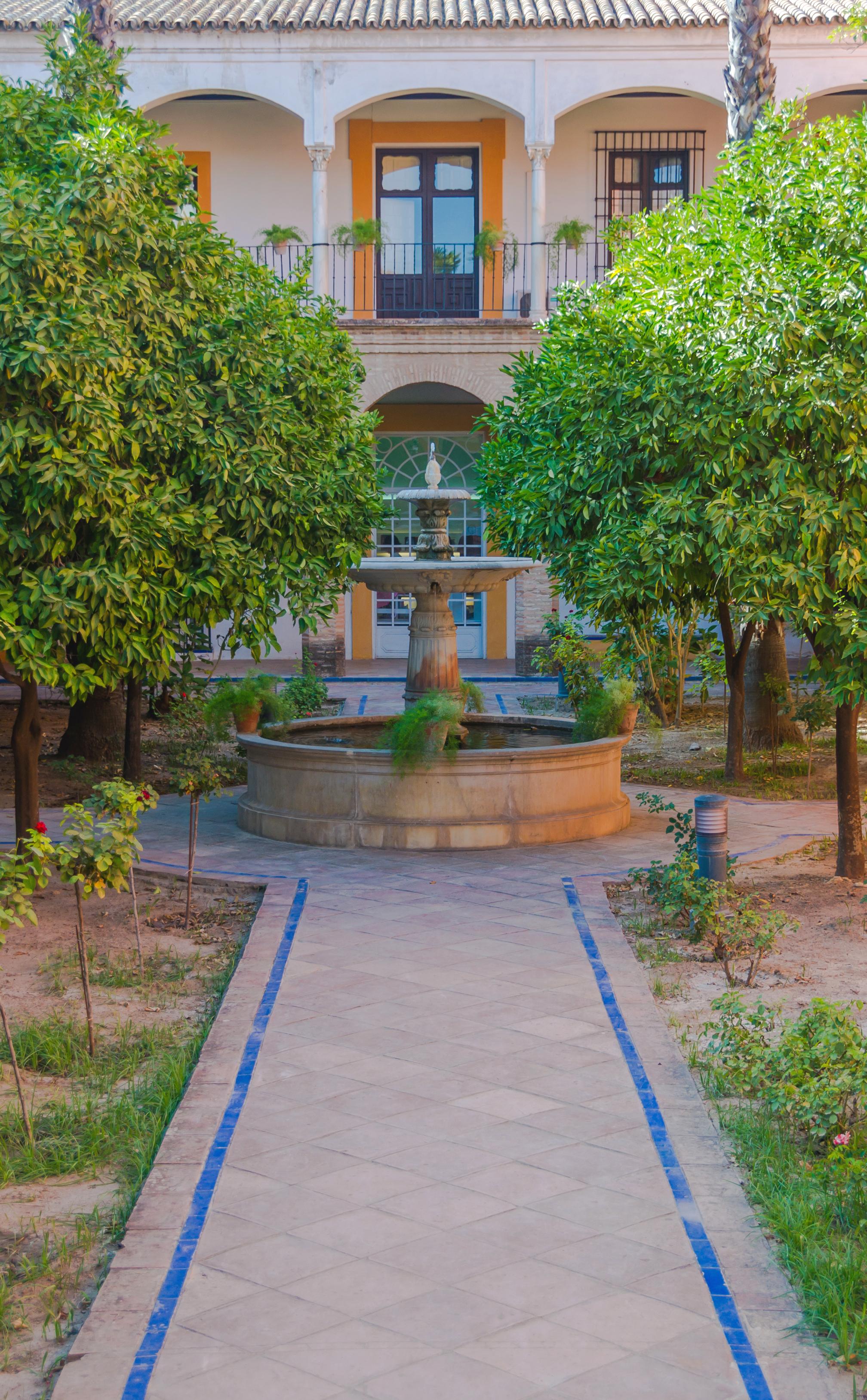 File:Fountain Gardens Alcazar Seville Andalusia Spain