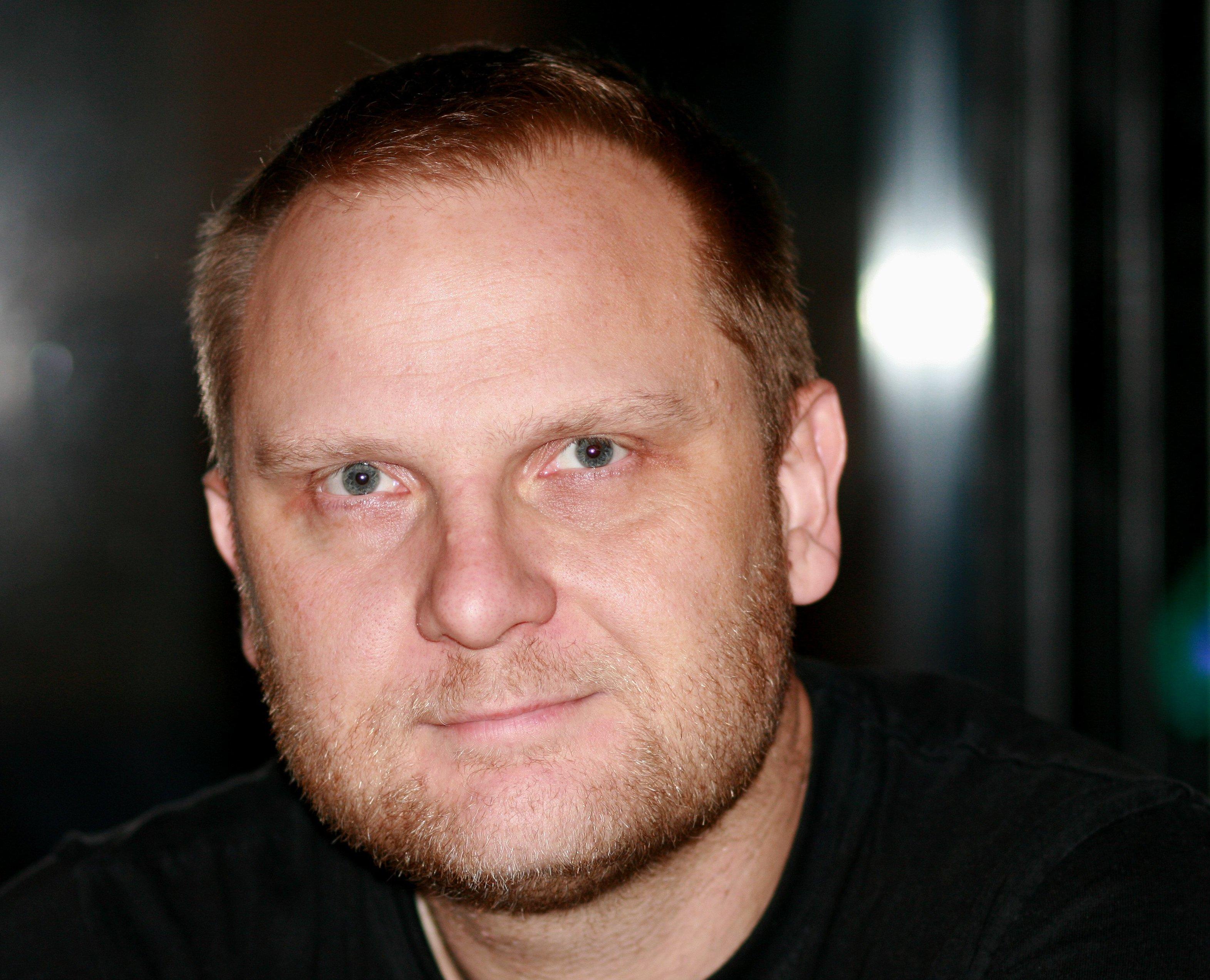 Frank Rossavik - Wikipedia