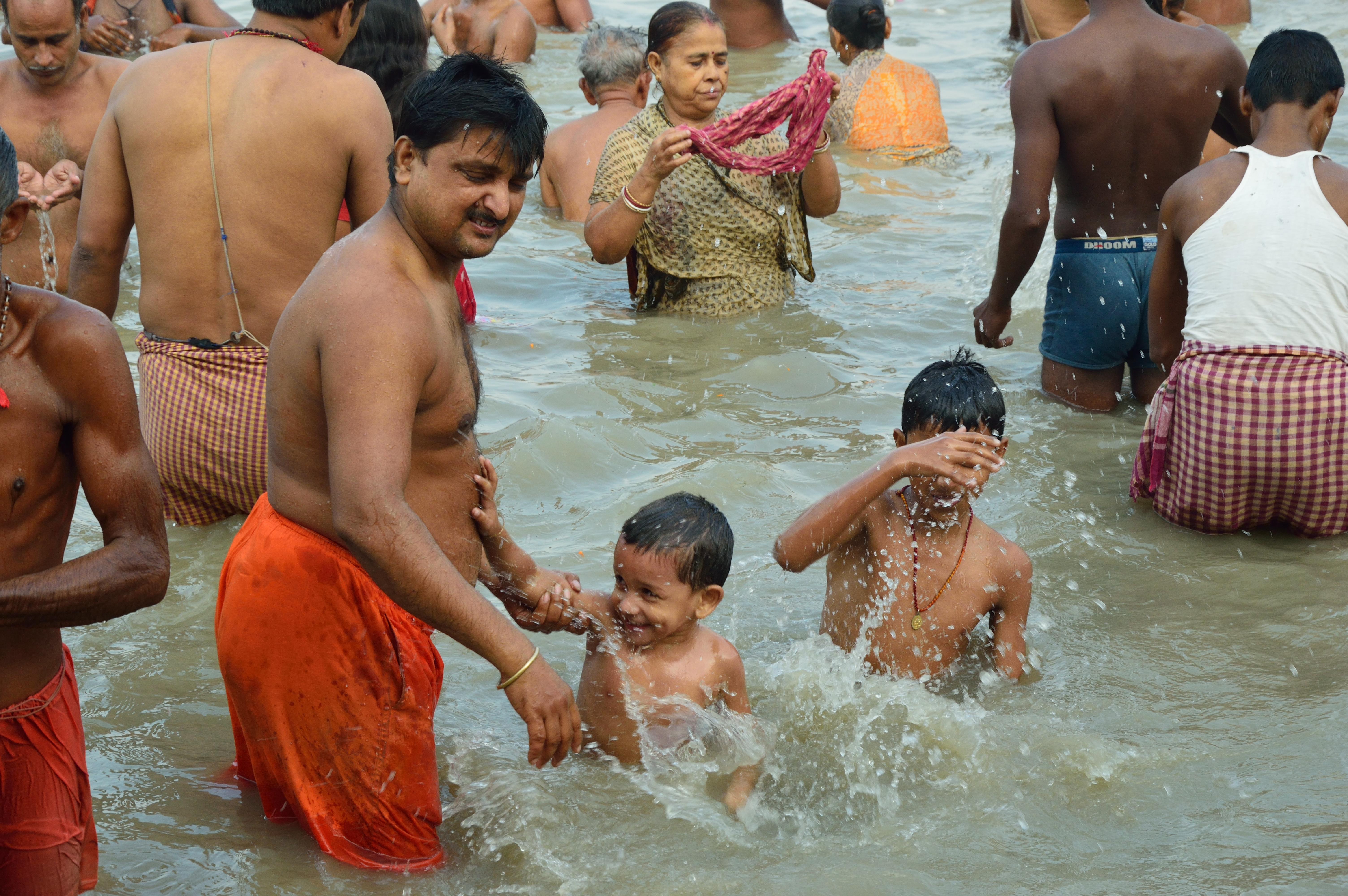 File Holy Bath   Jagannath Ghat   Kolkata 2012 10 15 0659. File Holy Bath   Jagannath Ghat   Kolkata 2012 10 15 0659 JPG