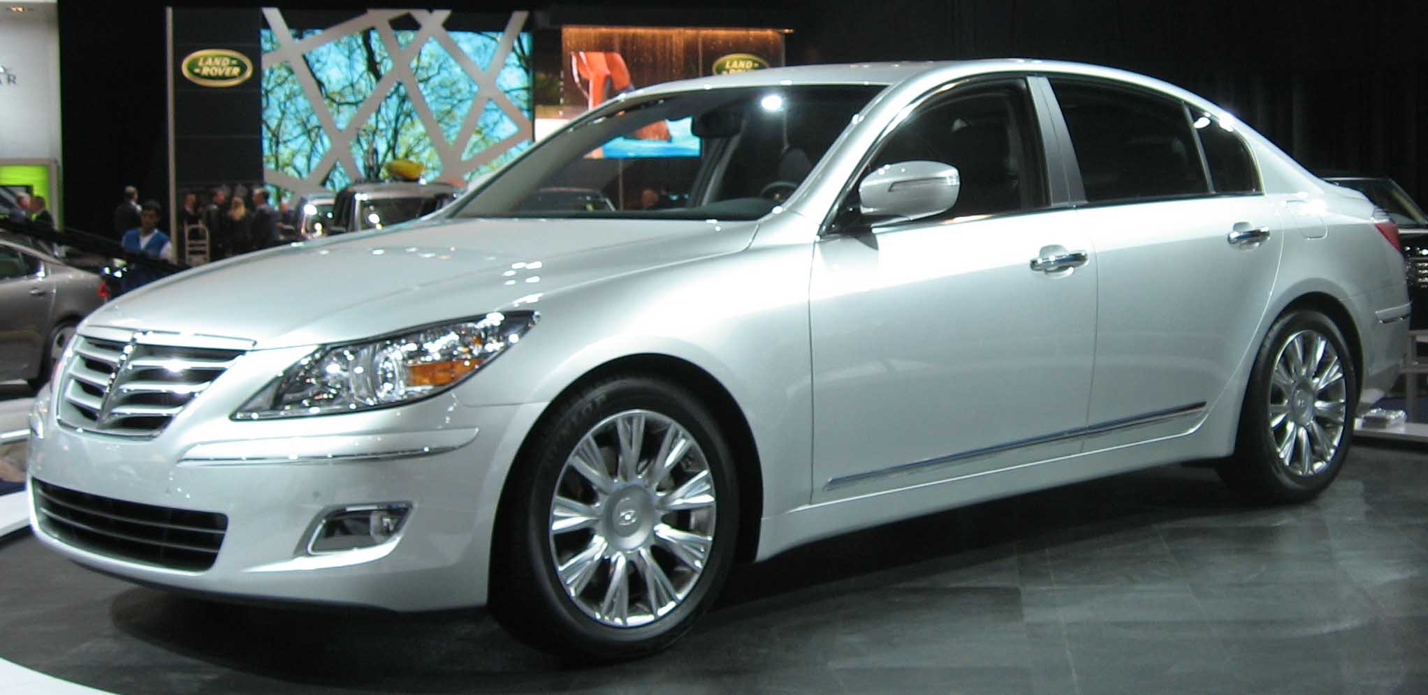 File Hyundai Genesis Sedan Ny Jpg Wikimedia Commons