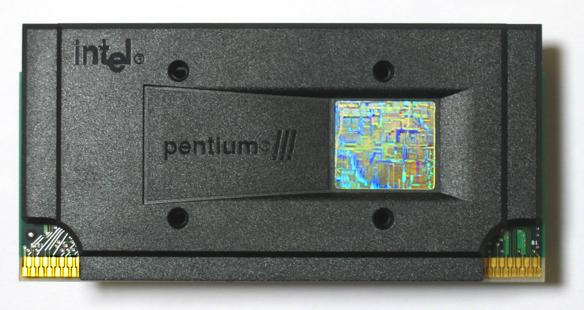 Description Intel Pentium III 733 MHz.jpg