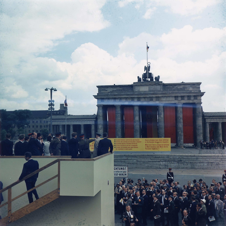 Brandenburg Gate Dimensions The Brandenburg Gate Jpg