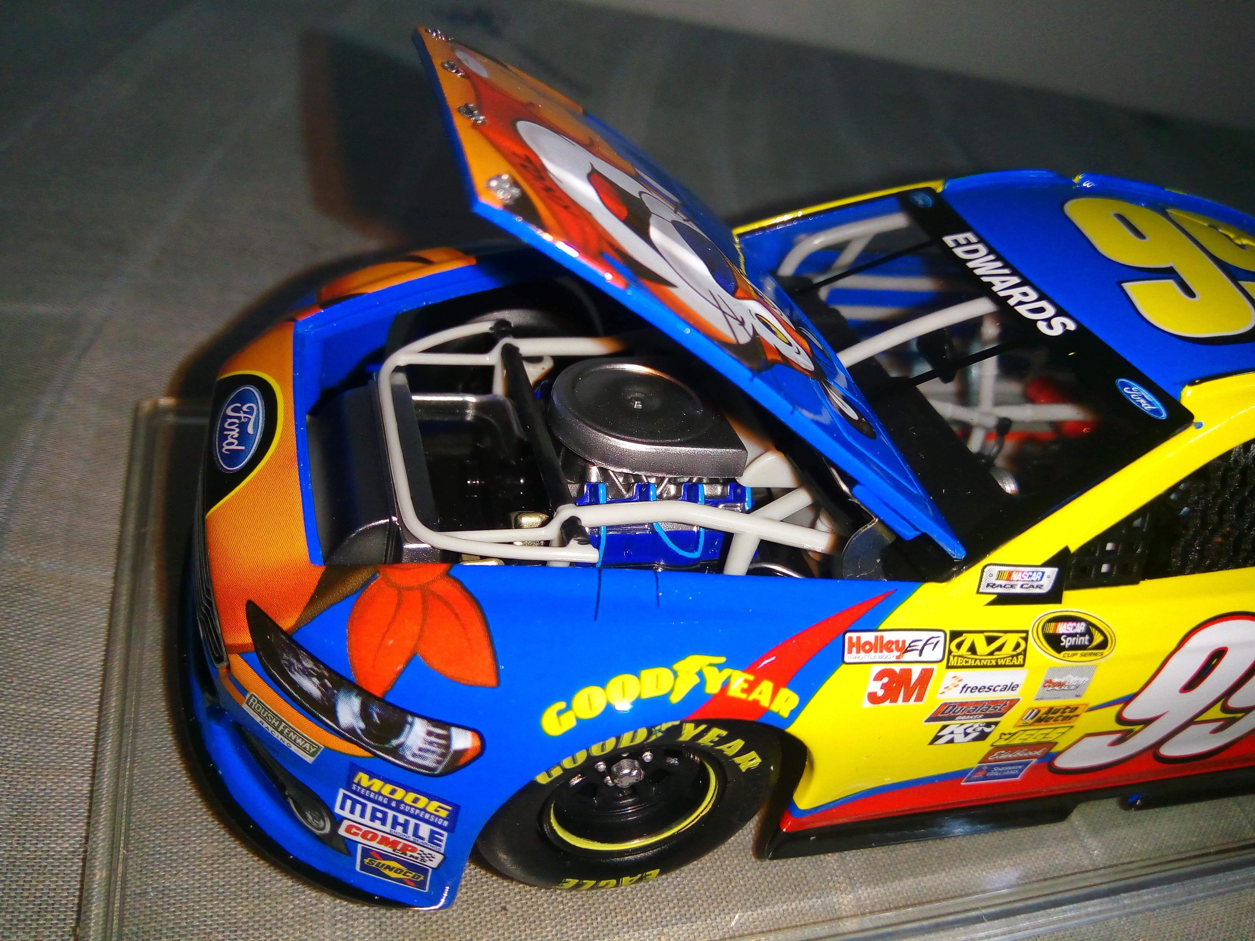 File:Lionel NASCAR diecast - Kap mesin.jpg