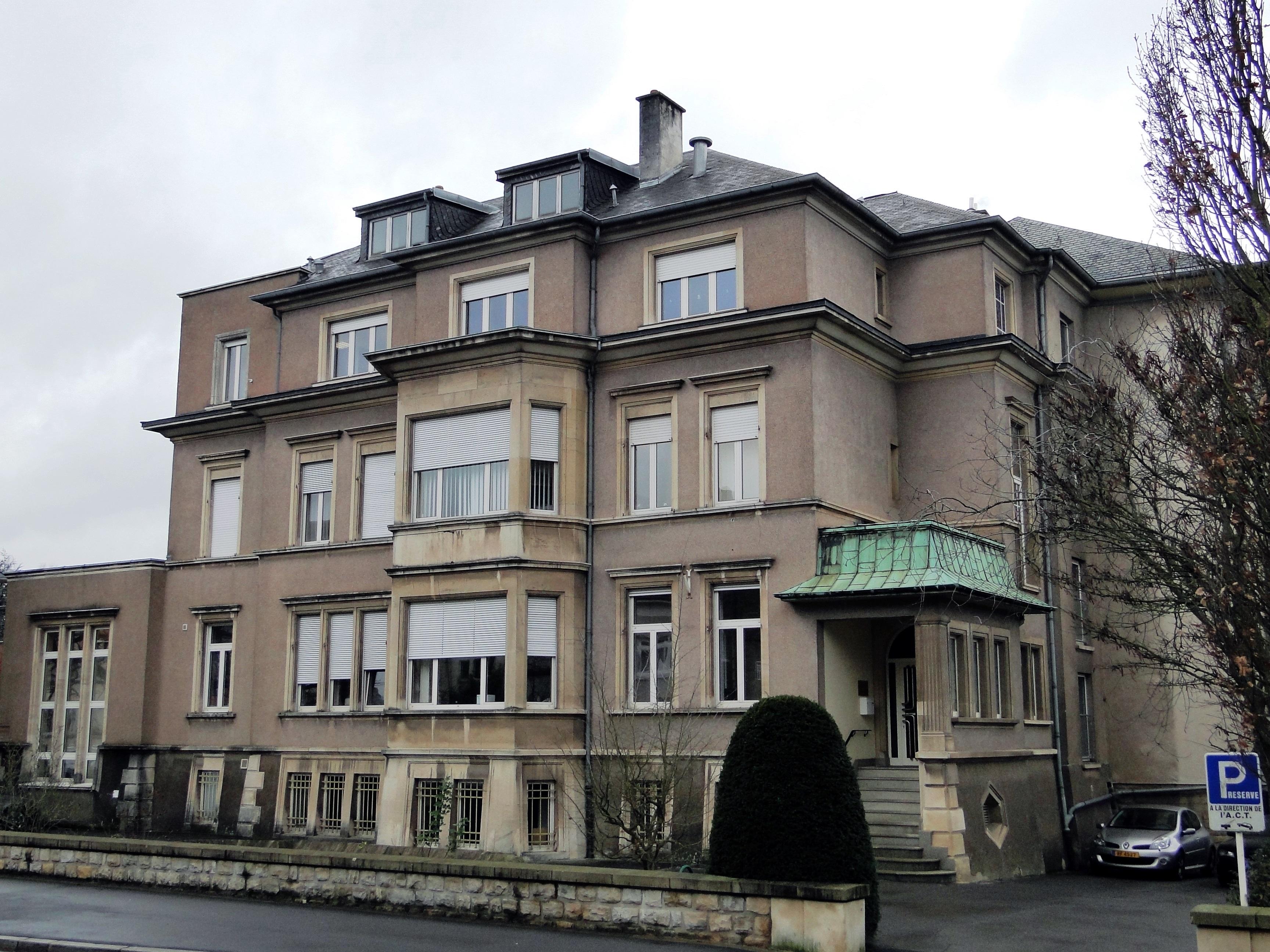 La Villa Medecine Alternative Saint Etienne