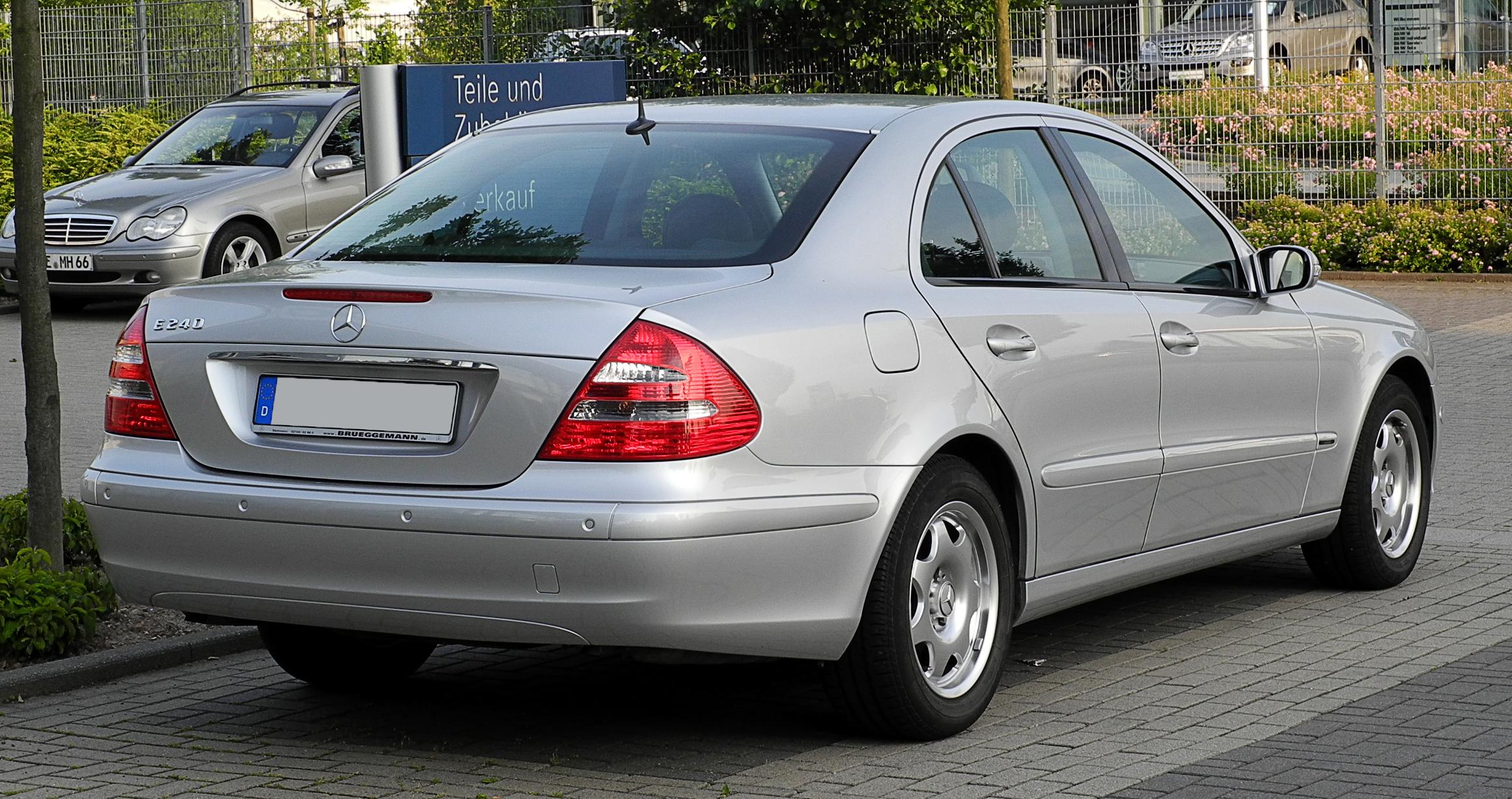 Mercedes-Benz W210 — Википедия