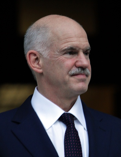 Fichier:Papandreou handover cropped.jpg