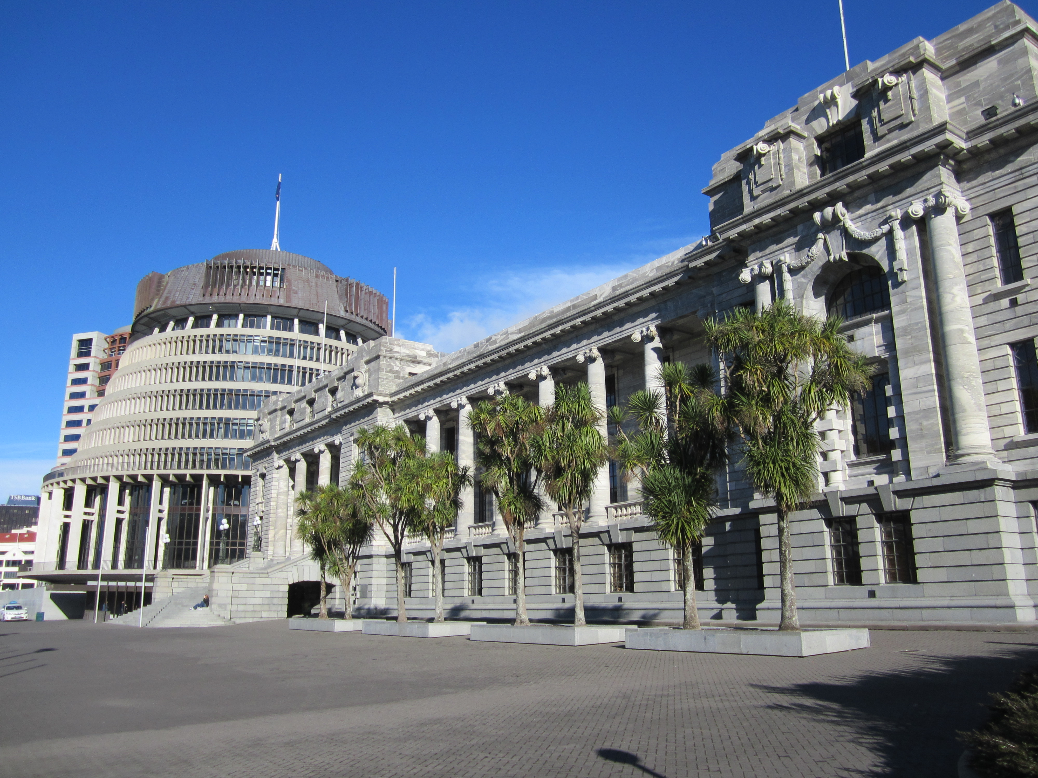 File parliament house and the beehive june 2012 jpg wikimedia