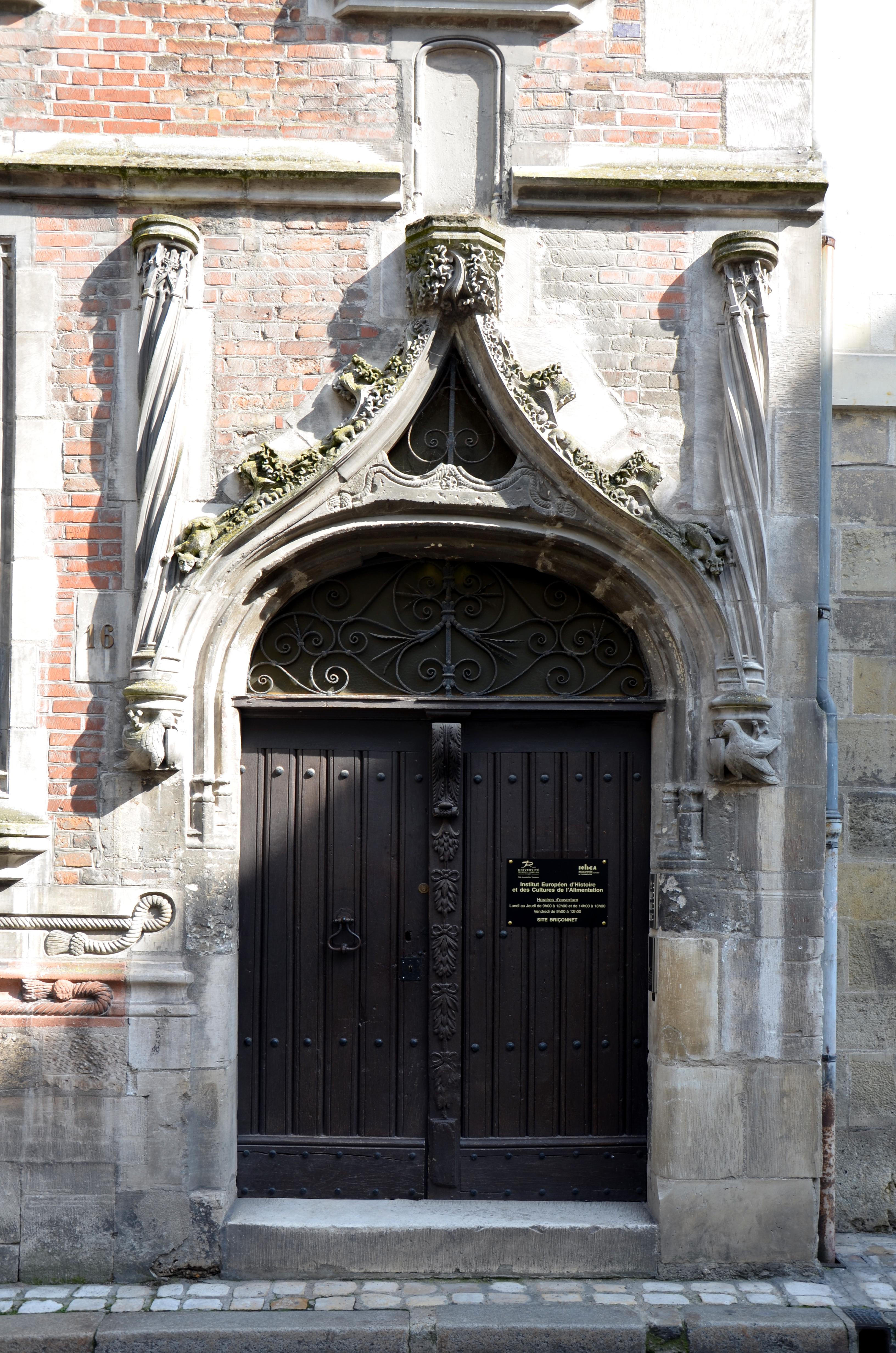 File porte d 39 entree de la maison de tristant l 39 hermite a tours dsc 02 - L entree de la maison ...