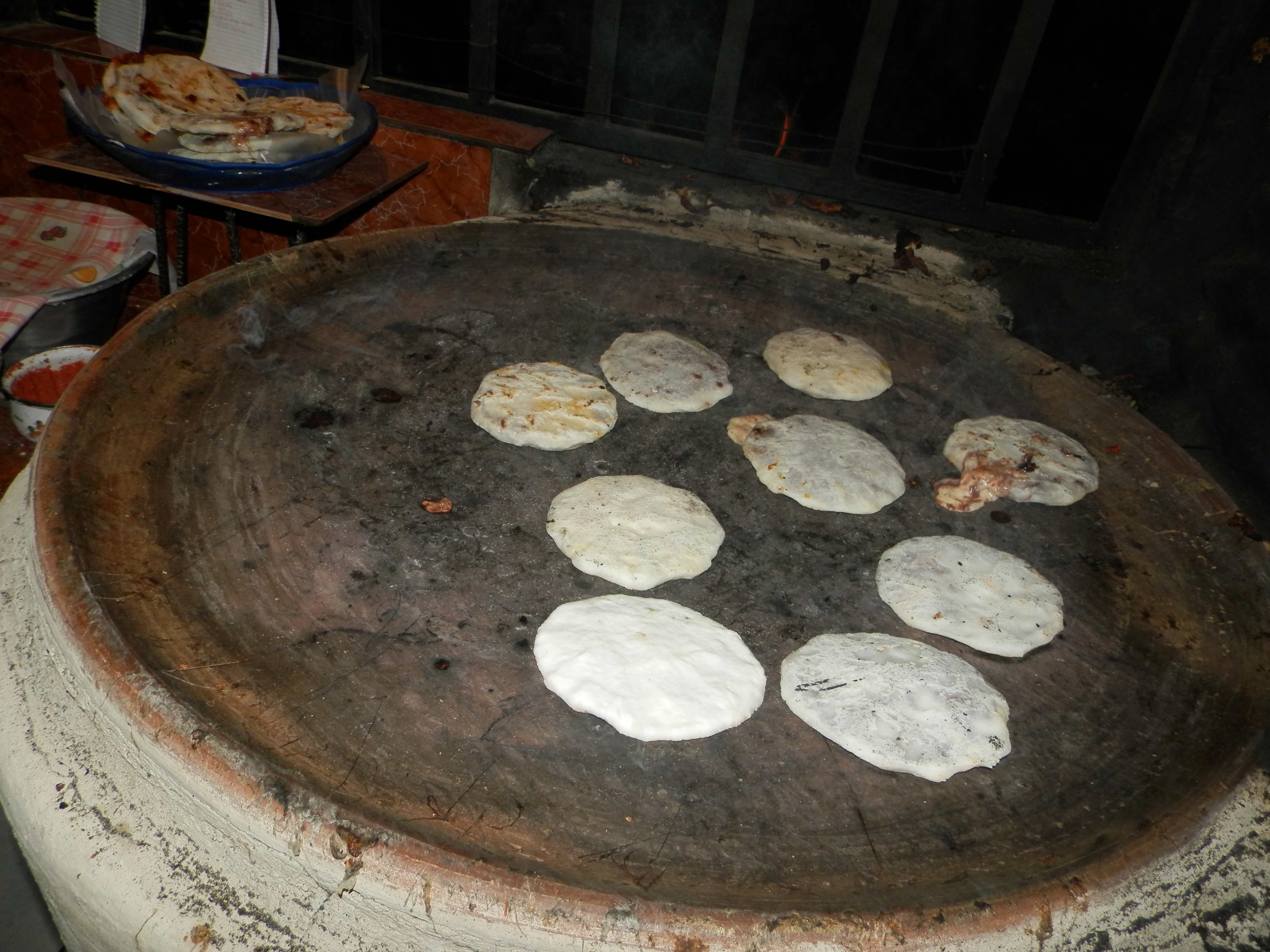 File:Pupusas en comal.JPG - Wikimedia CommonsSalvadoran Pupusas On Indian School