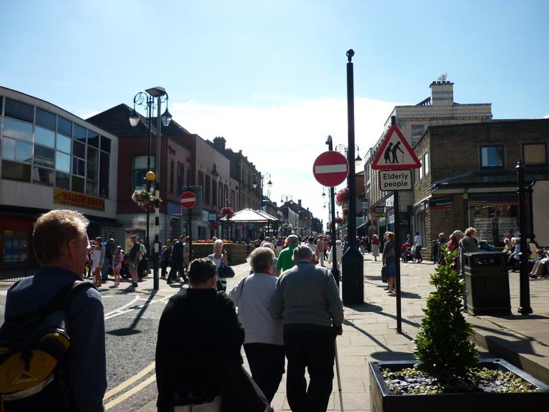 Queen Street, Morley - geograph.org.uk - 2025716