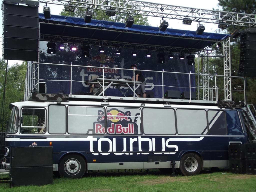 filered bull tourbus stage 7985734829jpg wikimedia