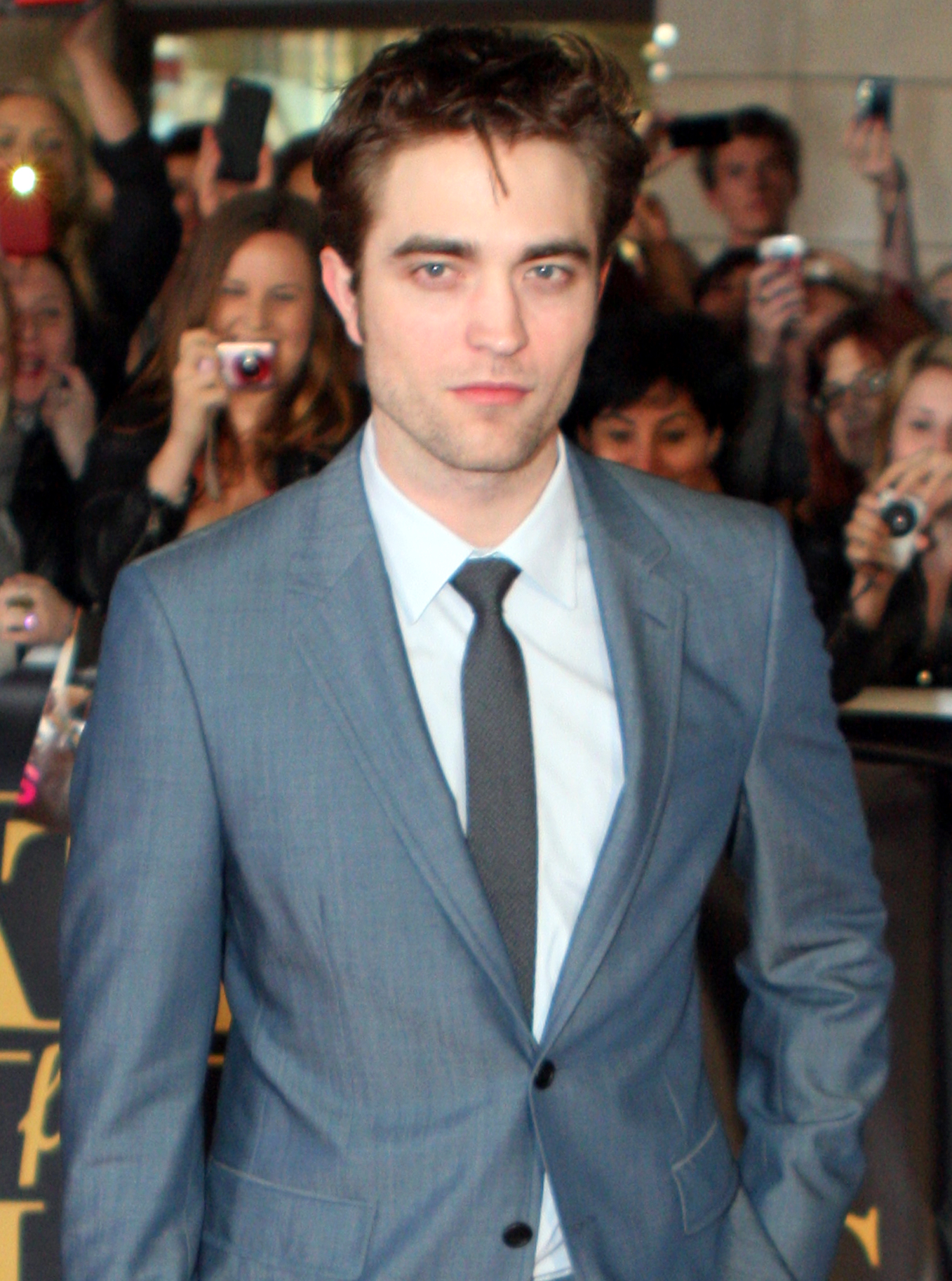 File:Robert Pattinson 2011.jpg - Wikimedia Commons Robert Pattinson