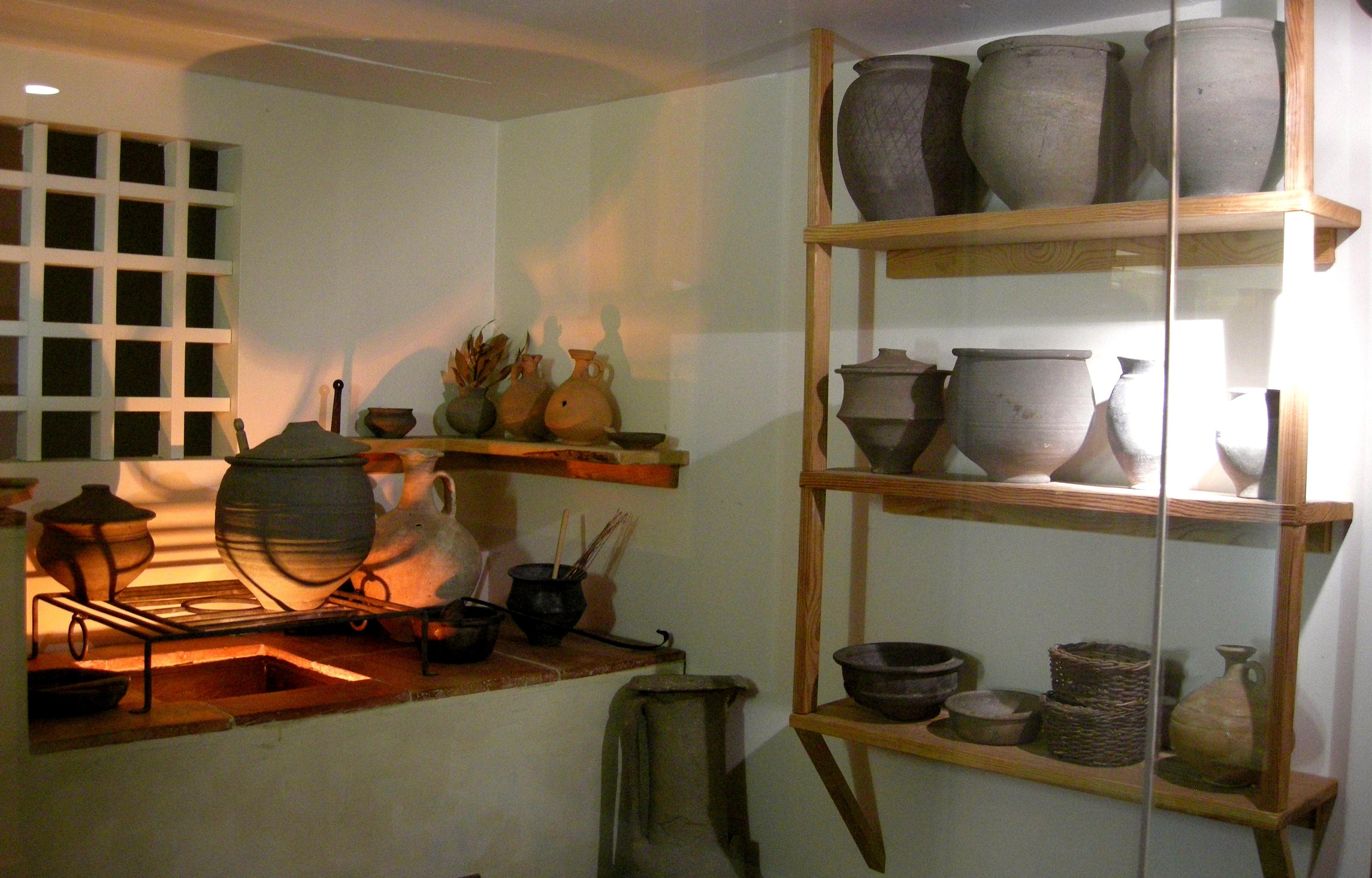 File roman museum wikimedia commons - Fotos de cocinas antiguas ...
