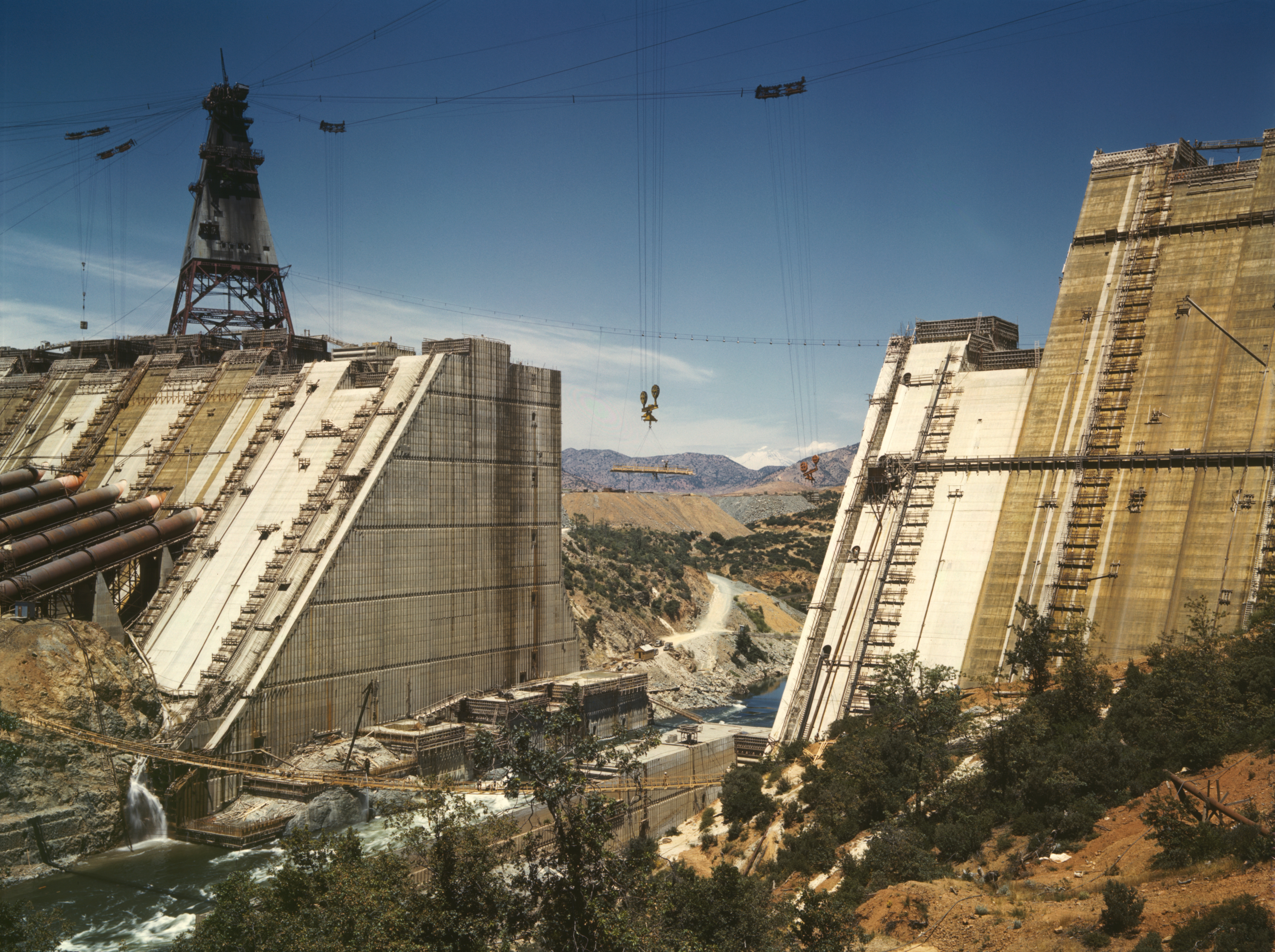 Construction work on Shasta Dam in June 1942