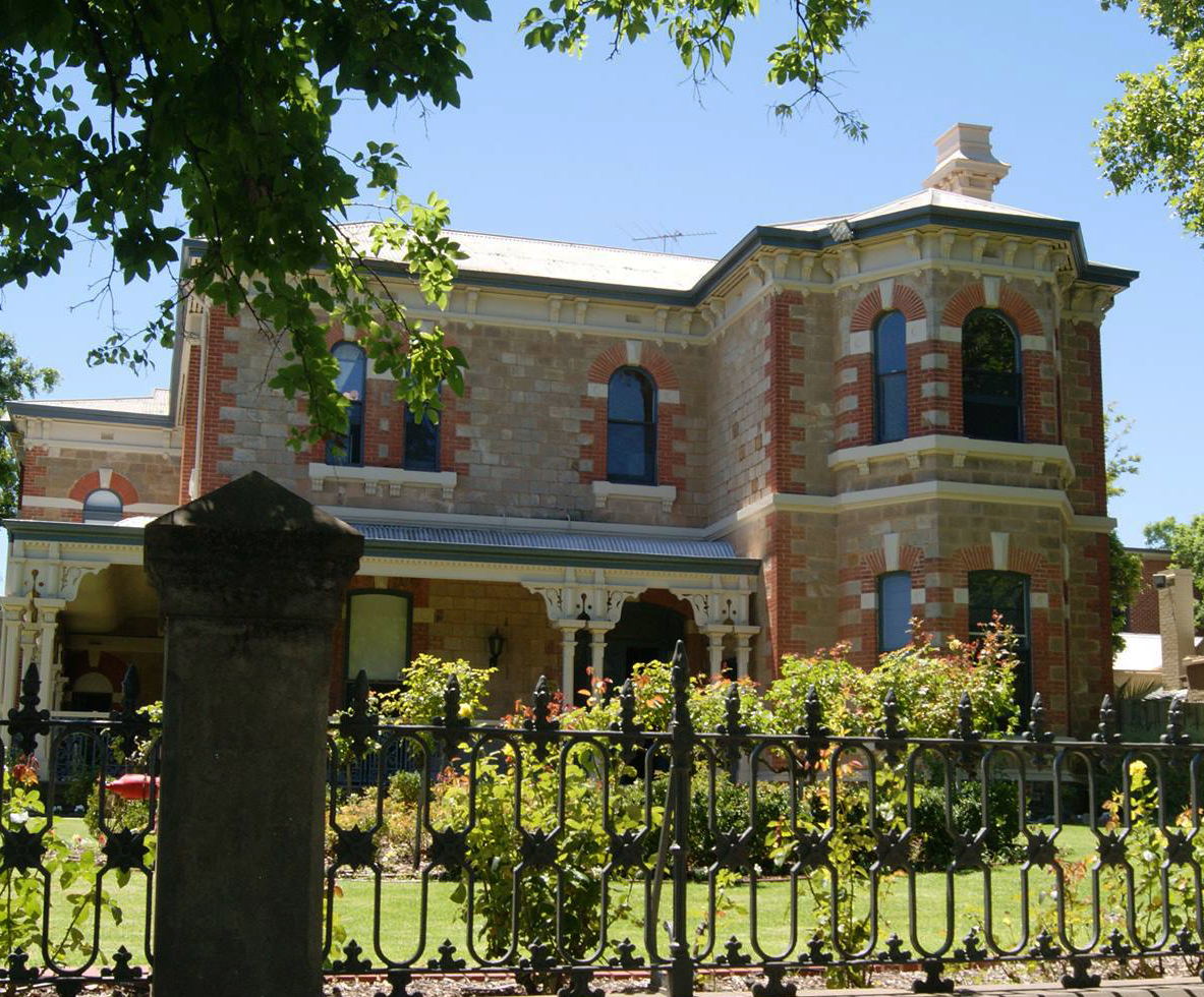 St mark 39 s college university of adelaide wikipedia for Adelaide house