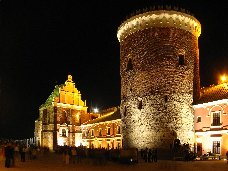 Stare Miasto w Lublinie - kaplica sw. Trójcy i donzon na zamku.jpg