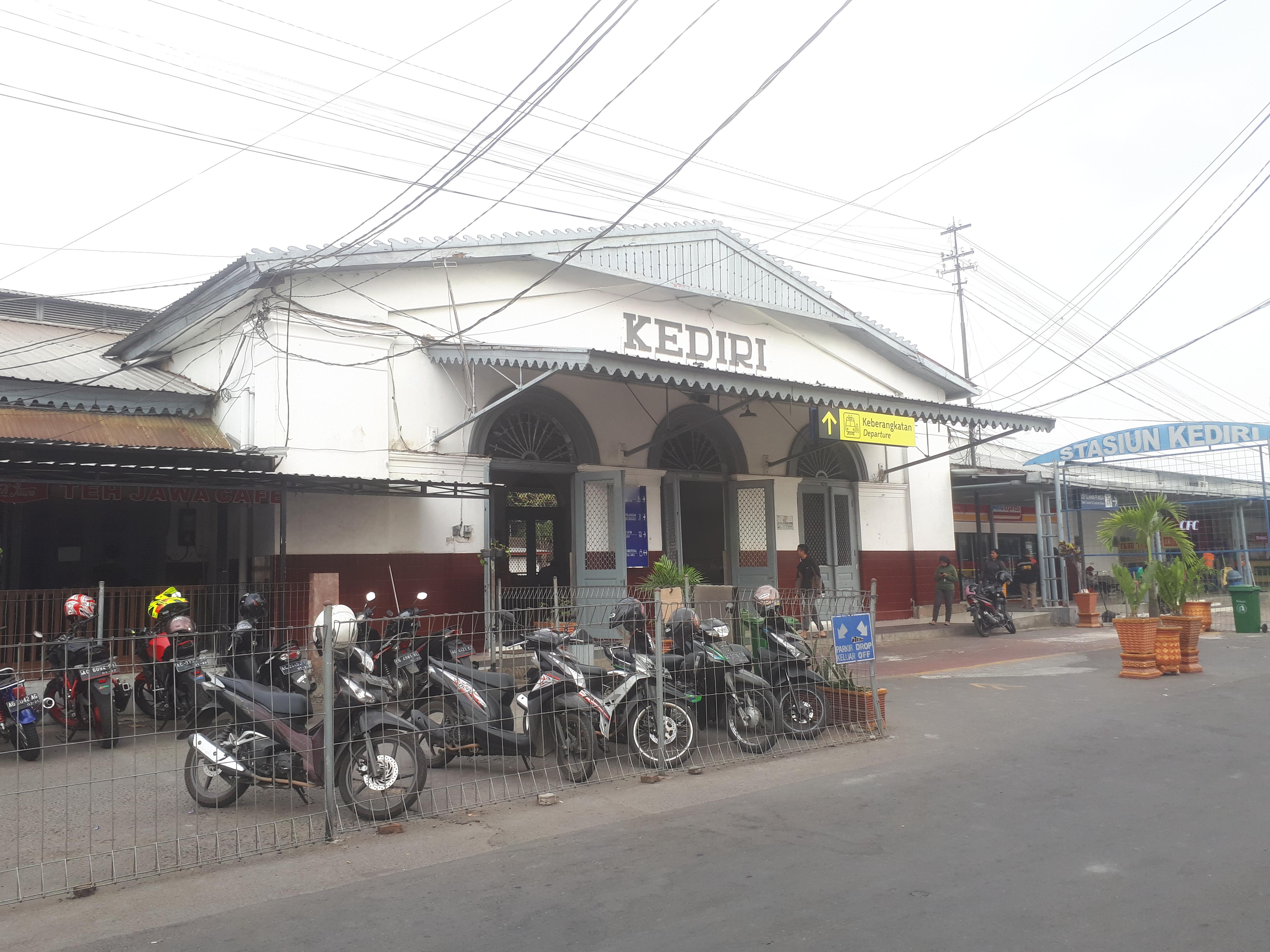 Met Parking Services >> Stasiun Kediri Wikipedia Bahasa Indonesia Ensiklopedia Bebas