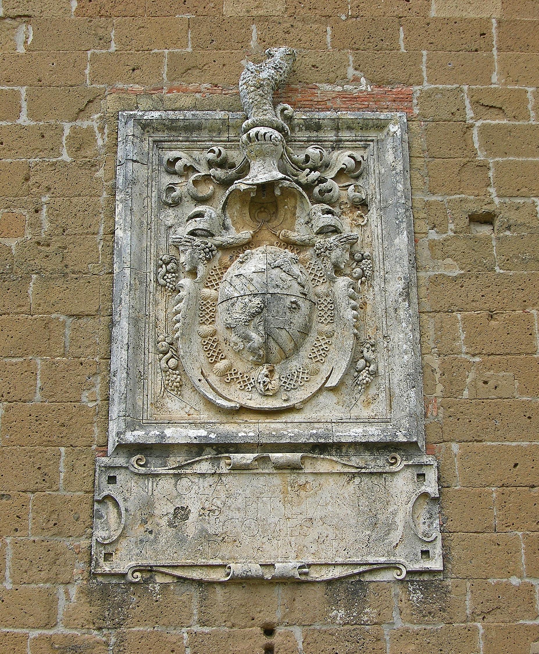 Stemma Fortezza Orsini di Sorano.jpg