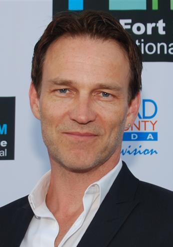 The 49-year old son of father (?) and mother(?) Stephen Moyer in 2018 photo. Stephen Moyer earned a  million dollar salary - leaving the net worth at 7.25 million in 2018